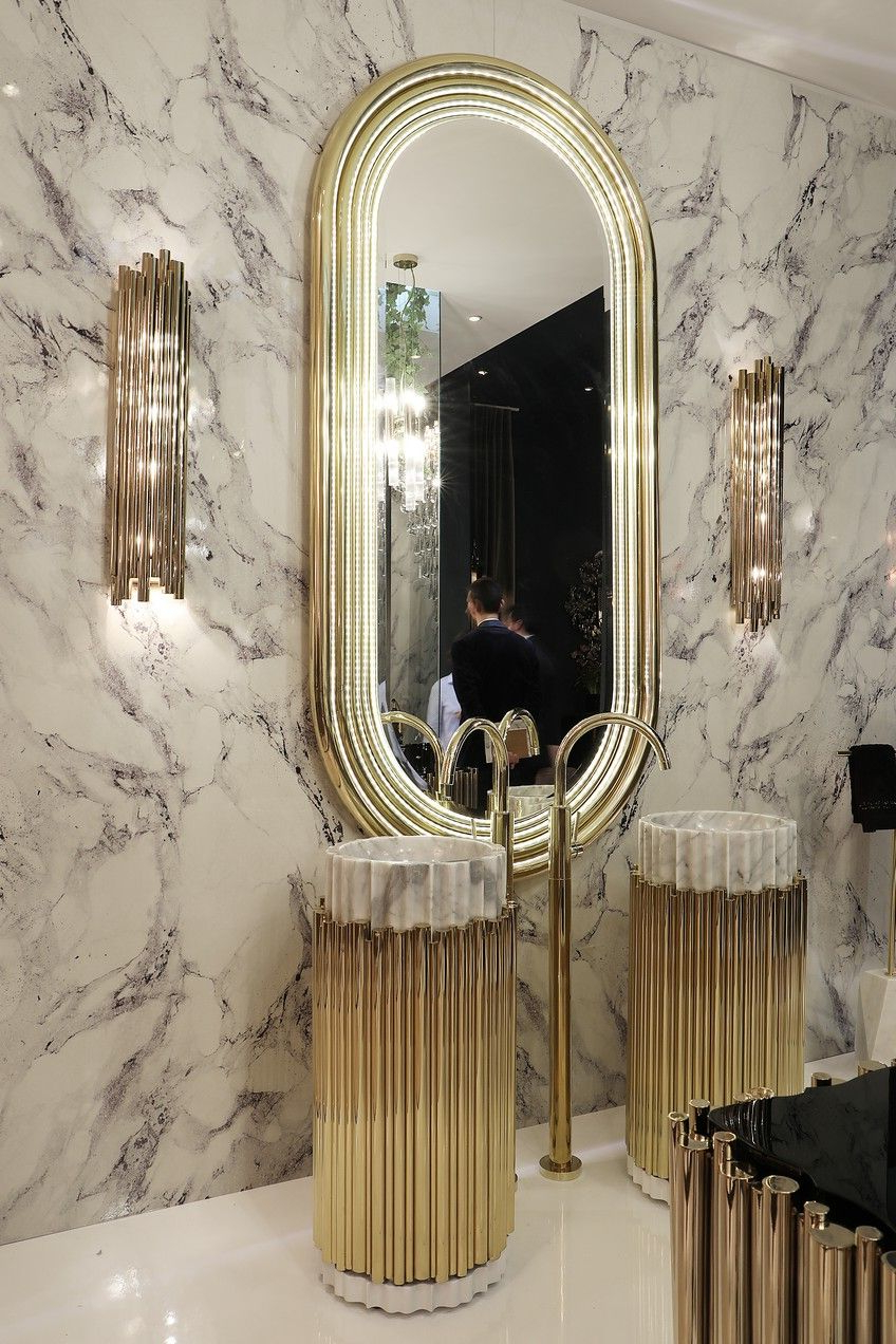 Favorite Stunning Wall Mirrors With 8 Stunning Wall Mirrors That Can Completely Transform A (View 3 of 20)