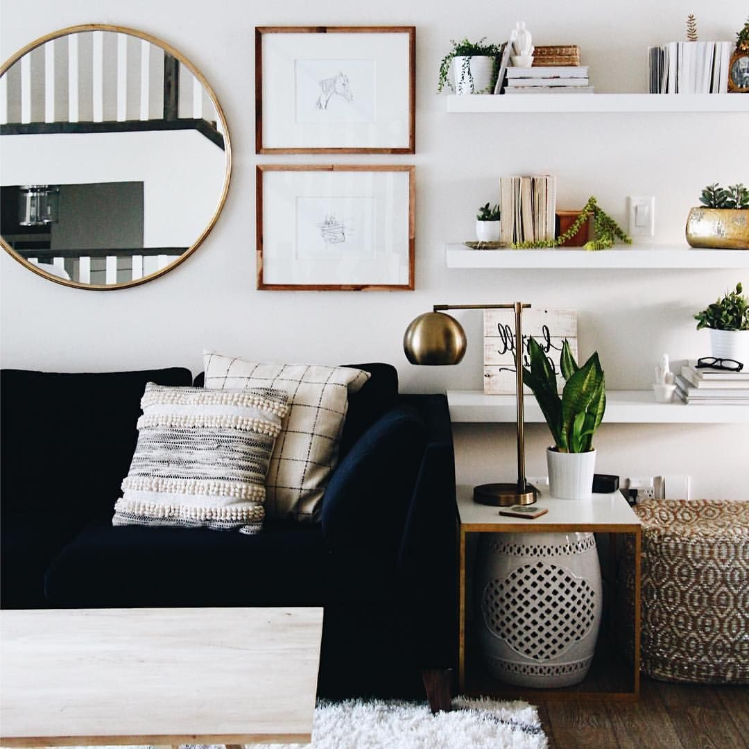 Favorite Wall Mirrors For Living Rooms Inside How To Use Living Room Wall Mirrors The Right Way (View 11 of 20)