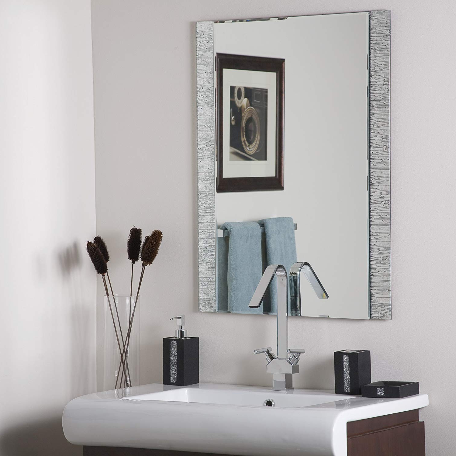 Frameless Molten Wall Mirrors Within Most Recently Released Decor Wonderland Frameless Molten Wall Mirror (View 2 of 20)