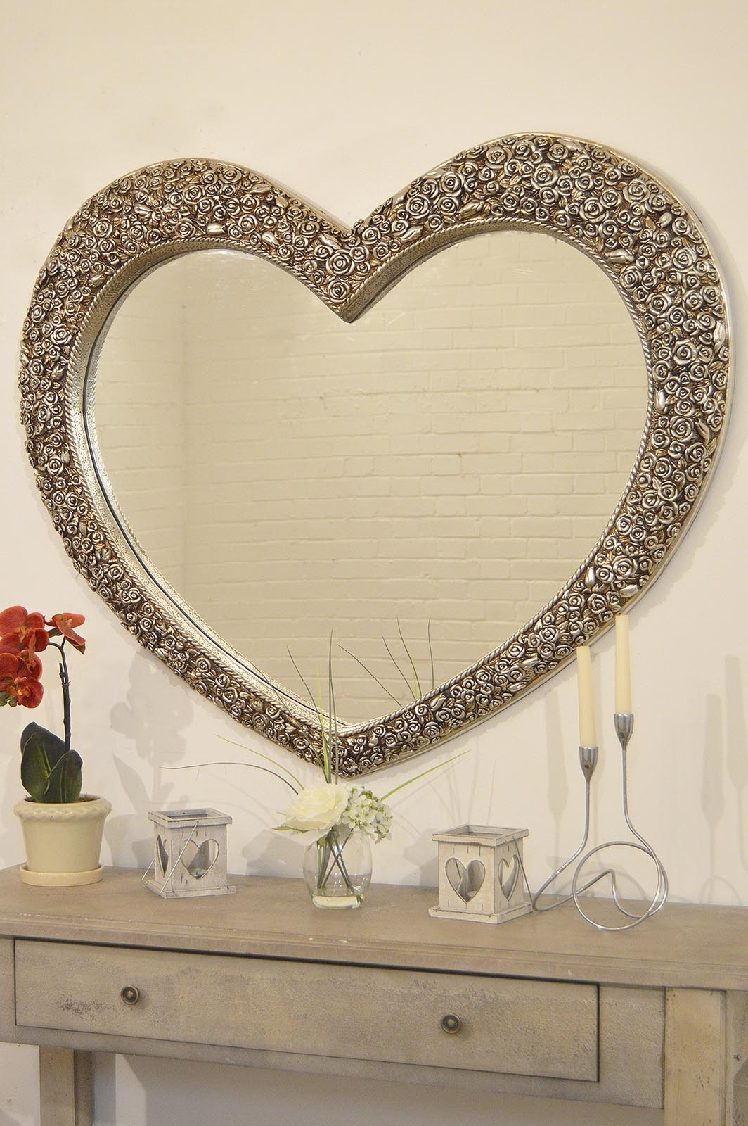 Heart Shaped Wall Mirror • Bathroom Mirrors And Wall Mirrors Regarding Most Recent Heart Wall Mirrors (View 12 of 20)