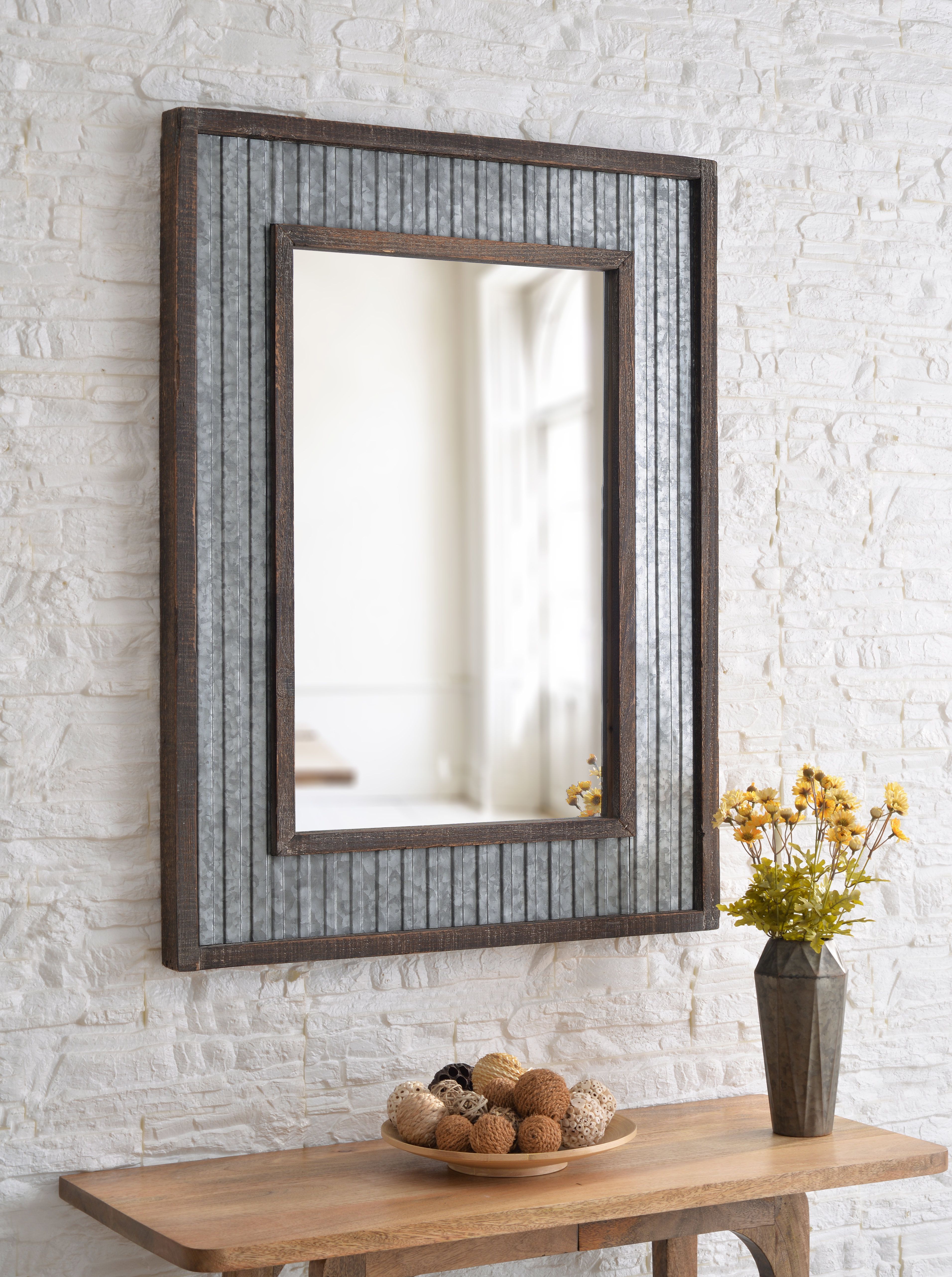 Kinley Accent Mirrors Within Most Popular Roby Accent Mirror (Gallery 8 of 20)