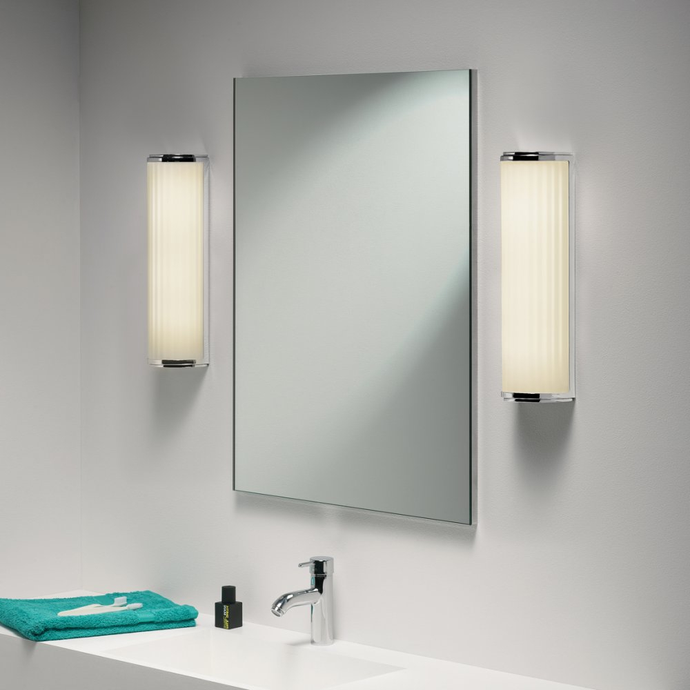 Latest Top 35 Killer Bathroom Wall Mirrors With Lights Mirror Design Ideas Inside Wall Mirrors With Light Bulbs (View 13 of 20)