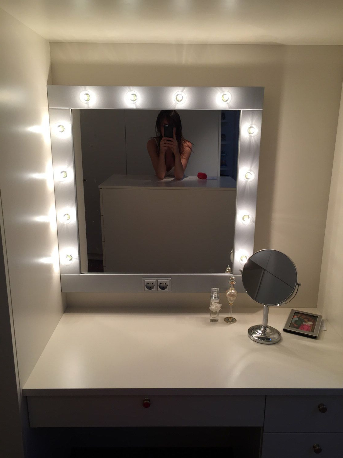 Lighted Vanity With Regard To Make Up Wall Mirrors (View 9 of 20)