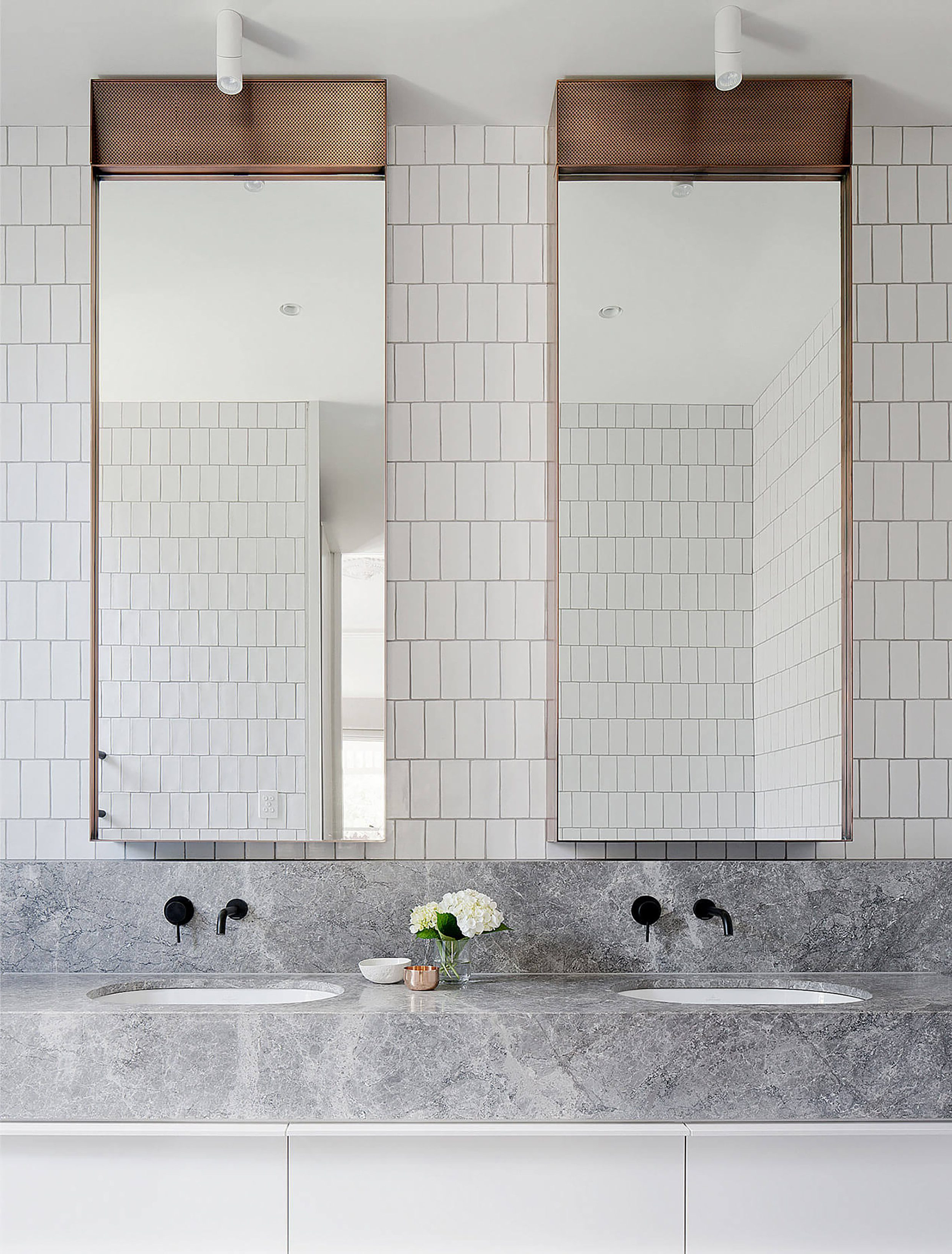Long Thin Wall Mirrors For Newest 17 Fresh & Inspiring Bathroom Mirror Ideas To Shake Up Your Morning (View 7 of 20)