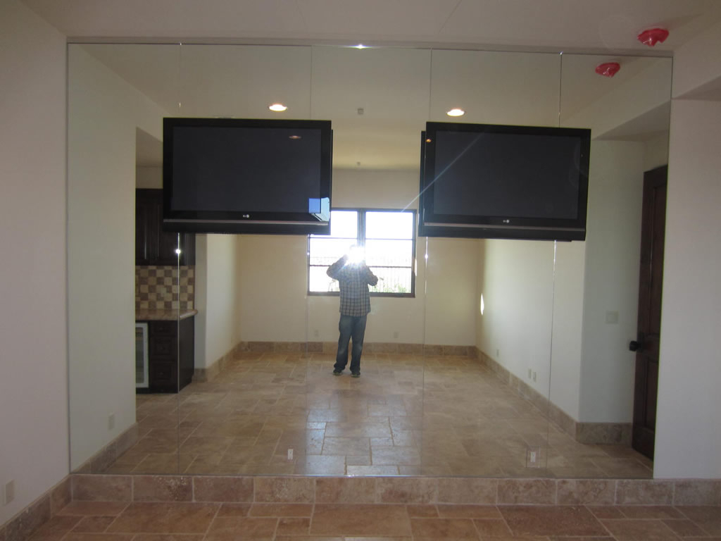 Mirror: Gym Mirrors Help You Check Your Posture And Positioning With Favorite Dance Studio Wall Mirrors (View 15 of 20)