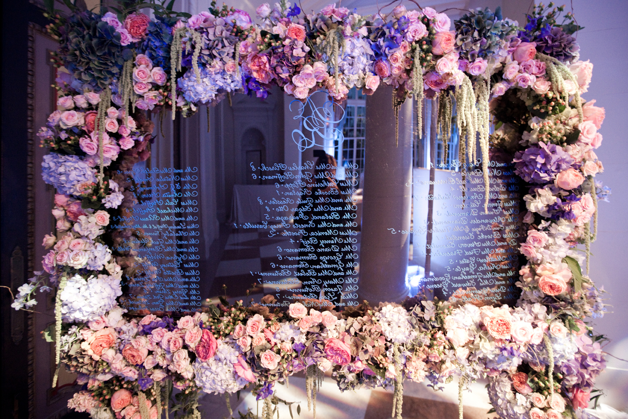 Mirror Ideas For Unique Wedding Decorations – Inside Weddings With Regard To Famous Flower Wall Mirrors (View 15 of 20)