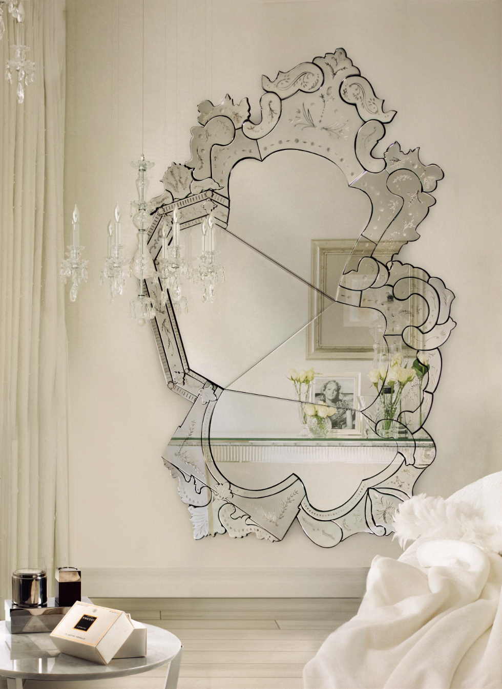 Most Current Stunning Wall Mirrors For Get Stunning Wall Mirrors Ideas For The Bedroom (View 8 of 20)