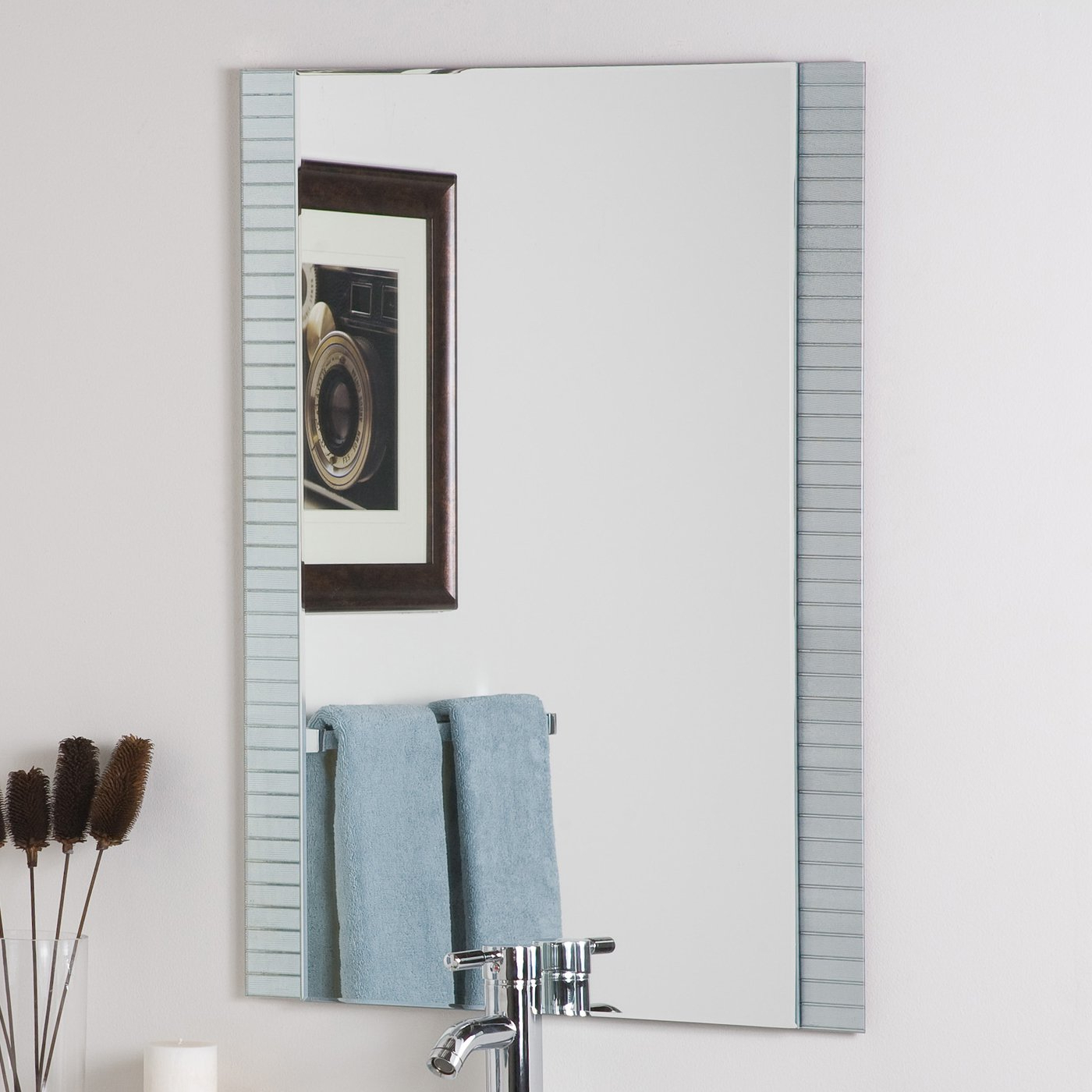 Most Popular Horizontal Wall Mirrors With Regard To Decor Wonderland Horizontal Lines Wall Mirror (View 11 of 20)
