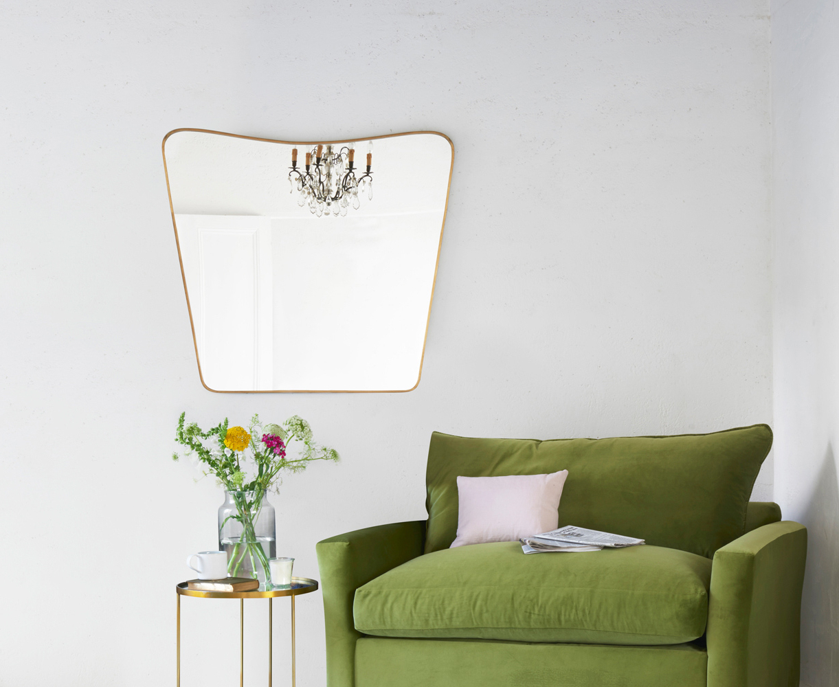 Most Popular Old Fashioned Wall Mirrors Pertaining To Big Brass (View 11 of 20)