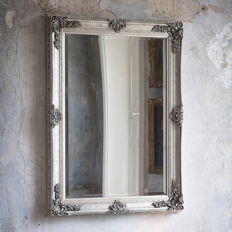 Most Popular Silver Wall Mirrors In Decorative Antique Silver Wall Mirror (View 11 of 20)