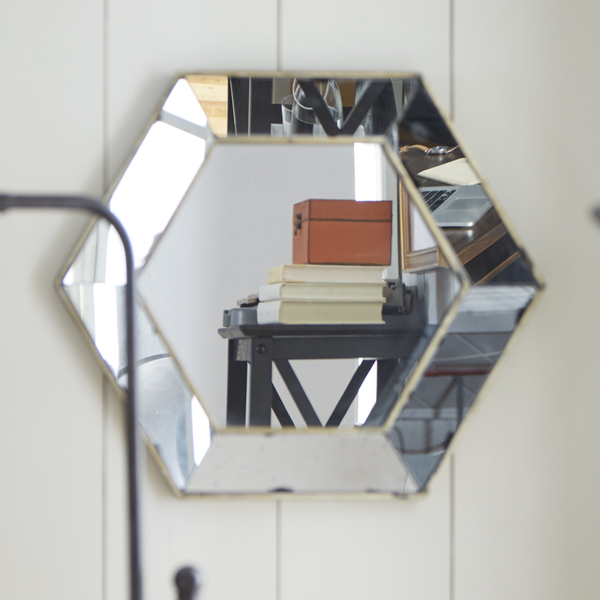 Most Recent Gia Hexagon Accent Mirrors Intended For Gia Hexagon Accent Mirror (View 4 of 20)