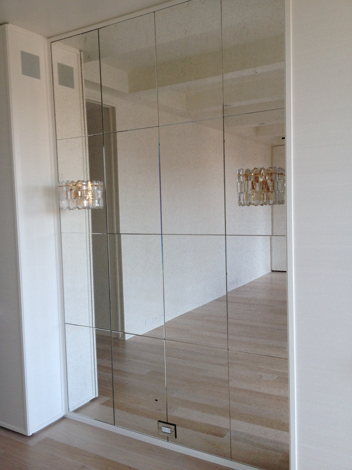 Most Recent Glass Wall Mirrors With Regard To Install Wall Mirrors Without Damaging Your Apartment Walls (View 11 of 20)