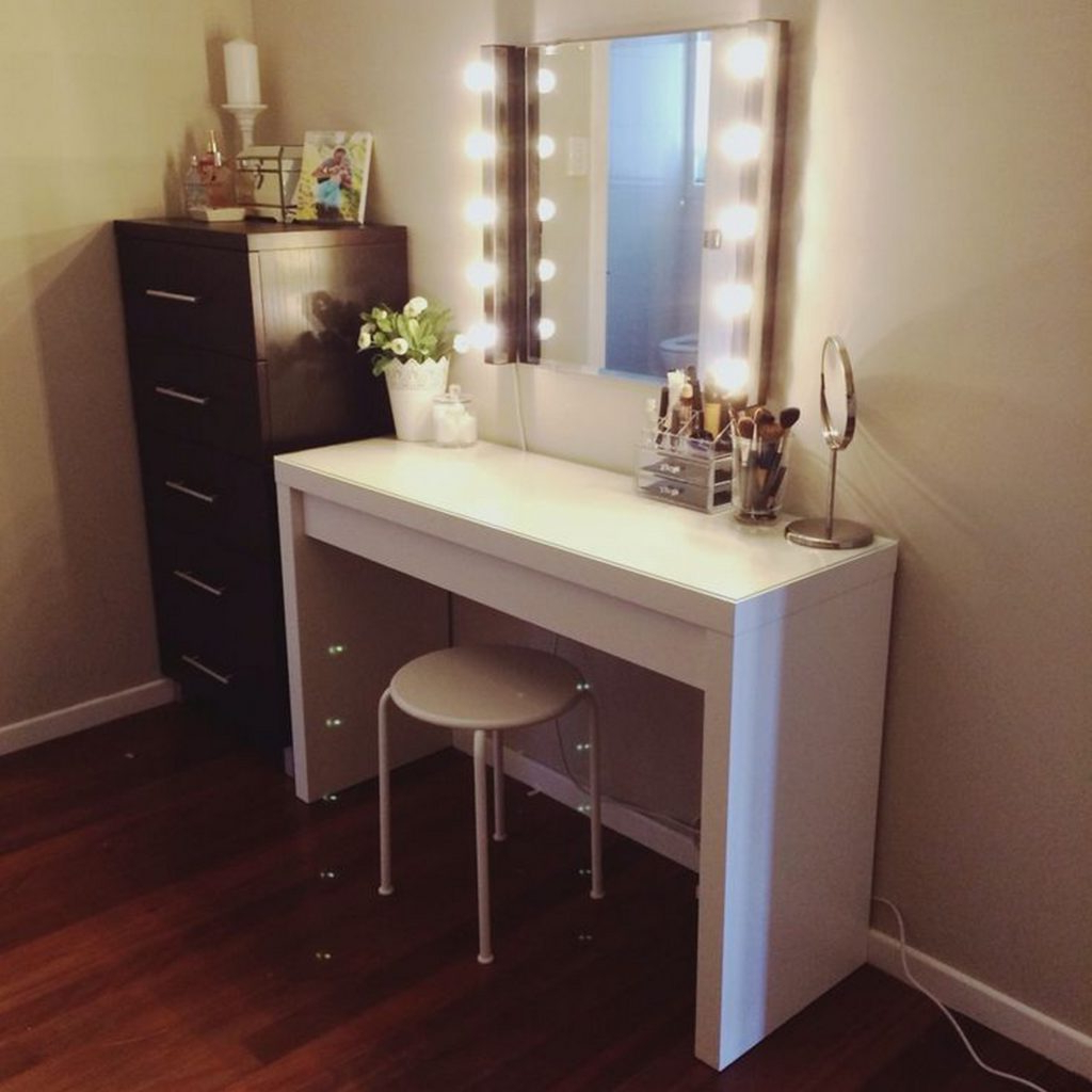 Most Recently Released Vanity Wall Mirror With Lights – A Great Way To Light Up Your Space Within Light Up Wall Mirrors (View 15 of 20)