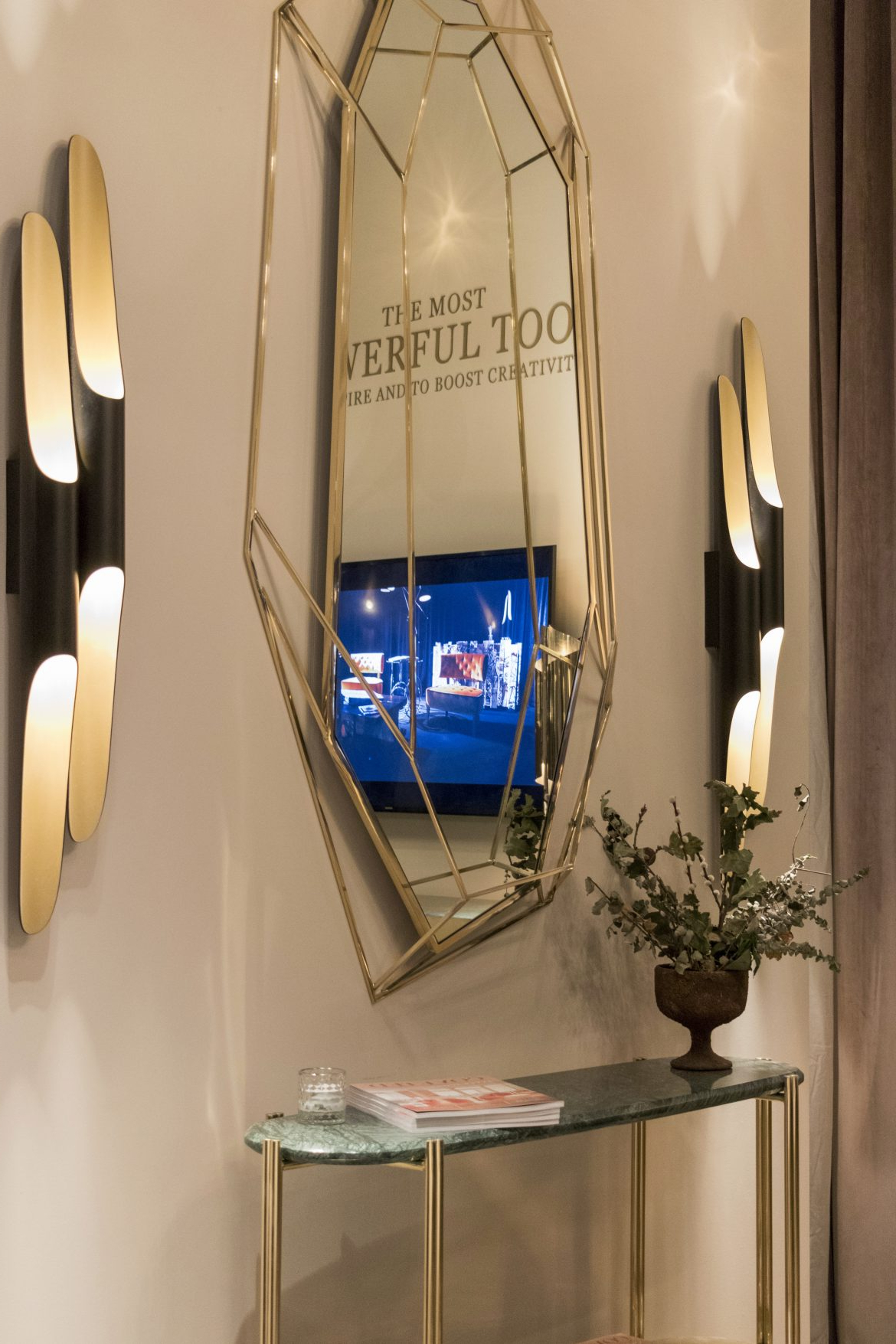 Most Up To Date Stunning Wall Mirrors For Your Entryway (View 15 of 20)