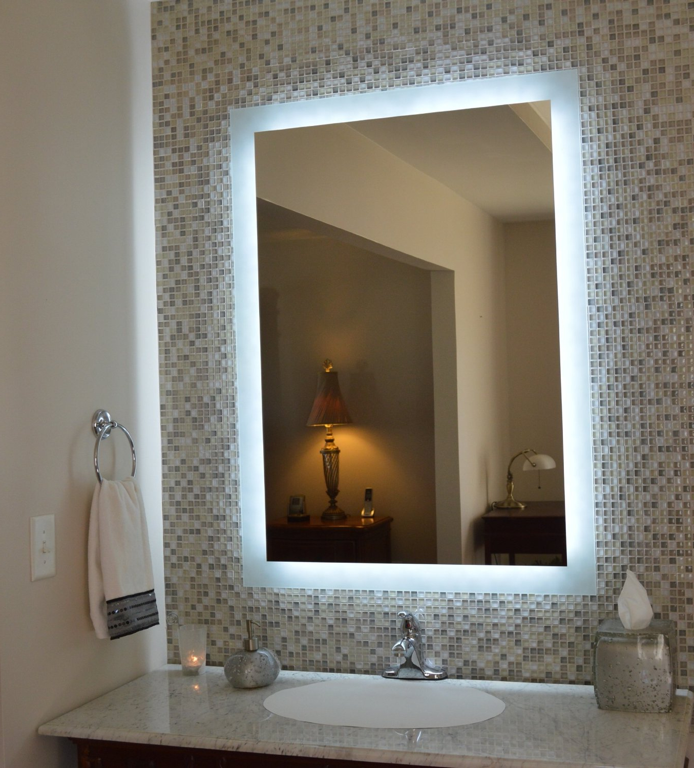 Pictures Frames Small Bathroom Fixtures Kits Cabinet Vani Bulbs Within 2020 Wall Mirrors With Light Bulbs (View 16 of 20)