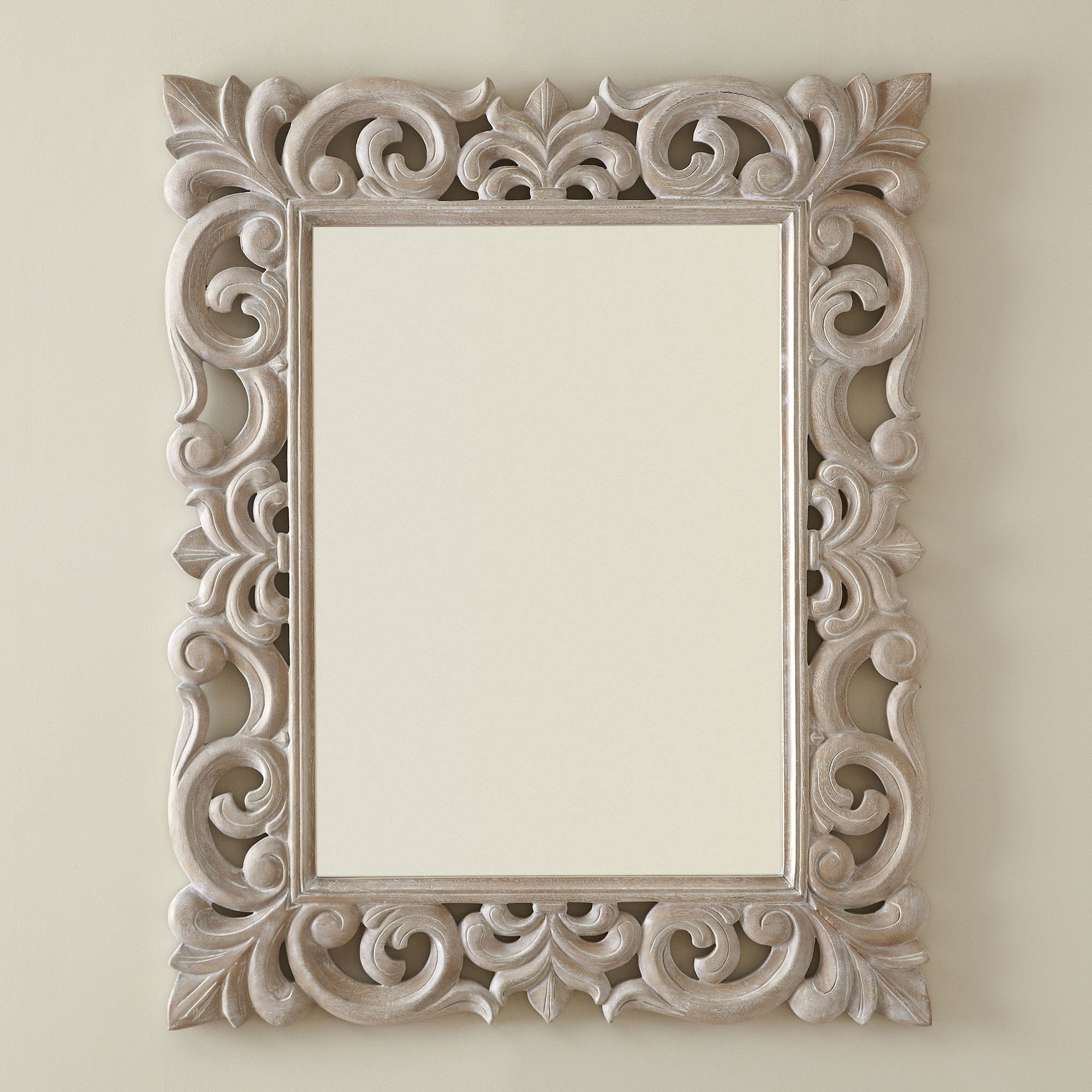 Pinehur Accent Mirror With Regard To Well Known Alissa Traditional Wall Mirrors (Gallery 10 of 20)