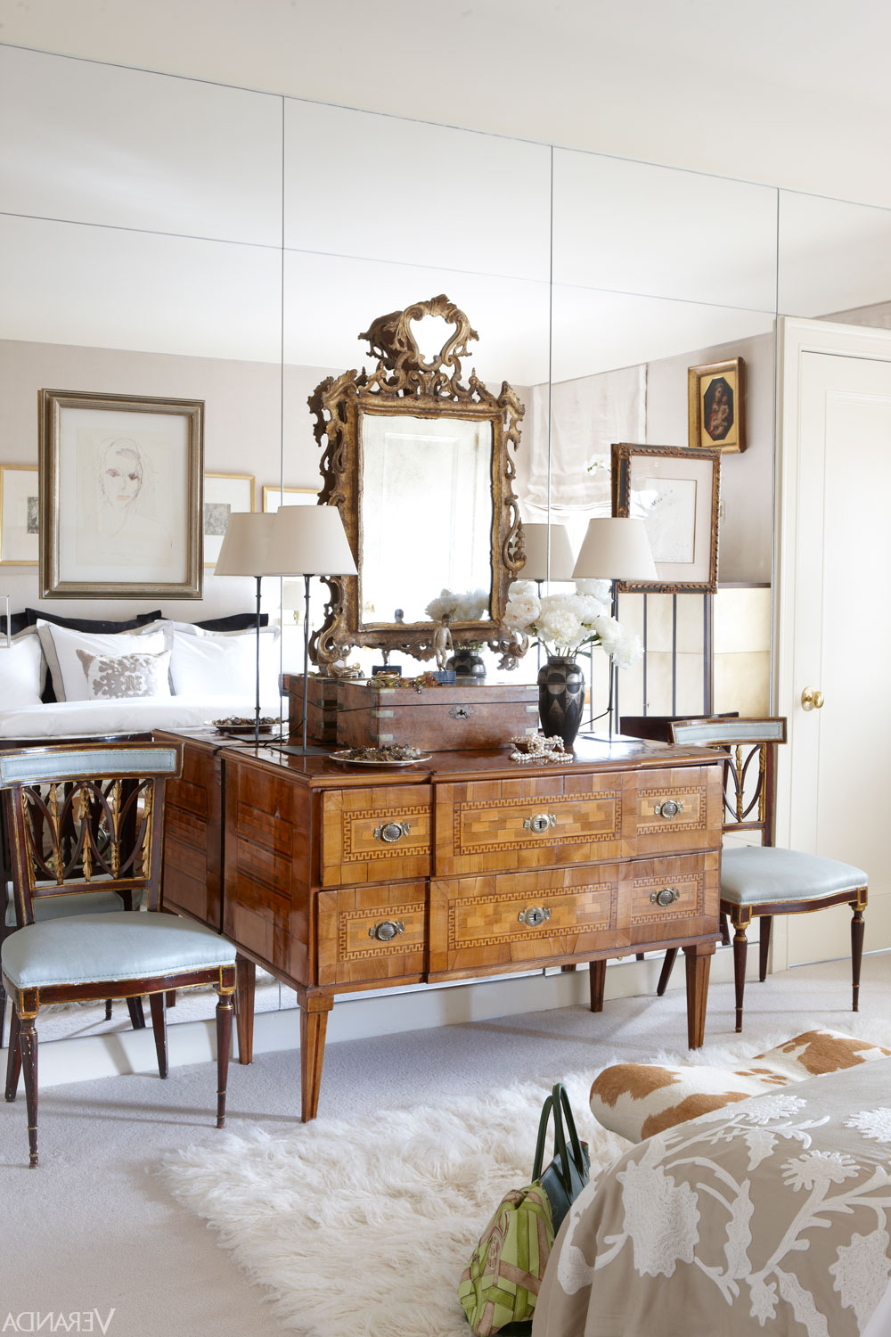 Plagued With Dated Mirrored Walls? 5 Design Ideas To Make In Most Current Wall Mirror Designs For Bedrooms (View 10 of 20)
