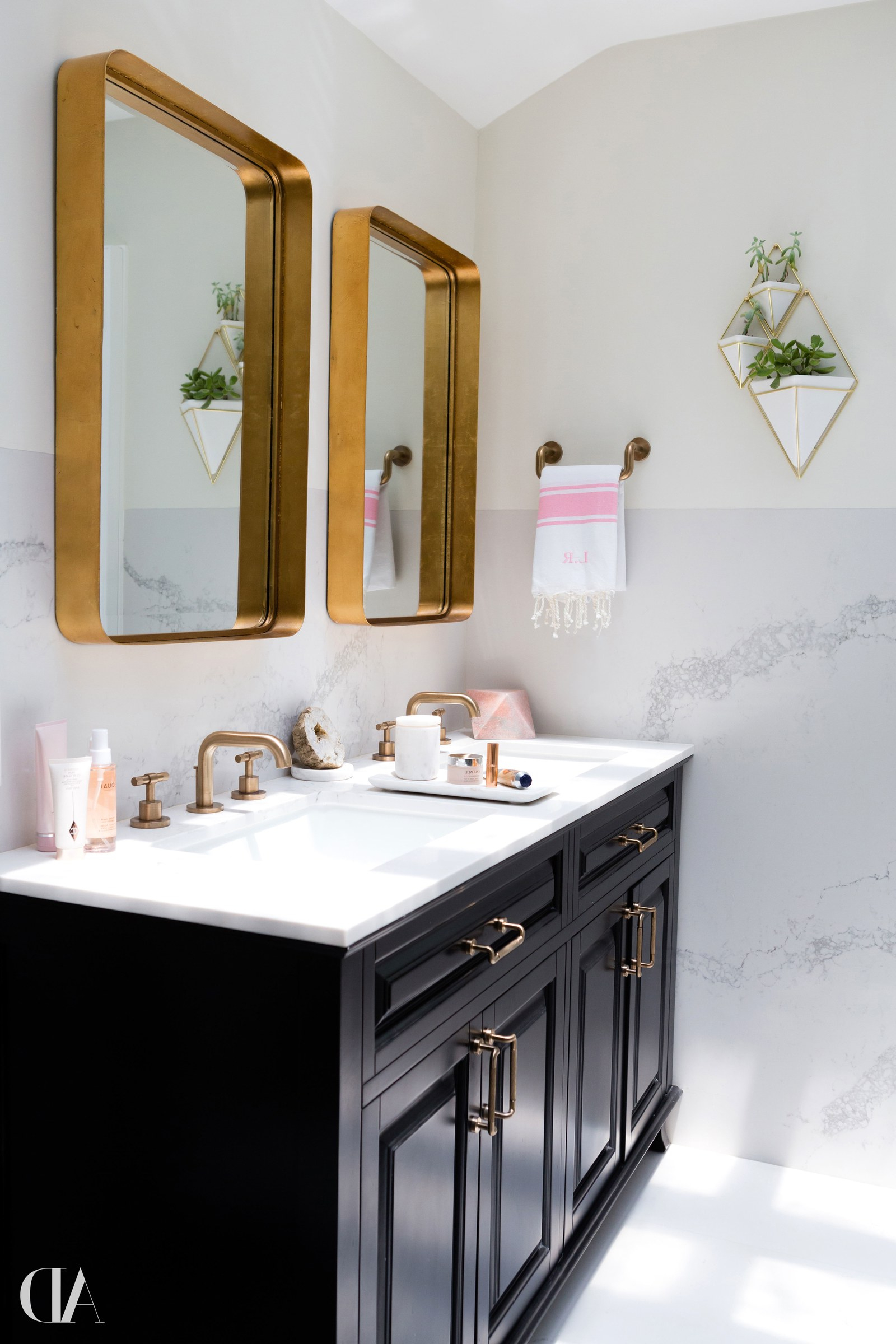 Popular 12 Bathroom Mirror Ideas For Every Style (View 13 of 20)