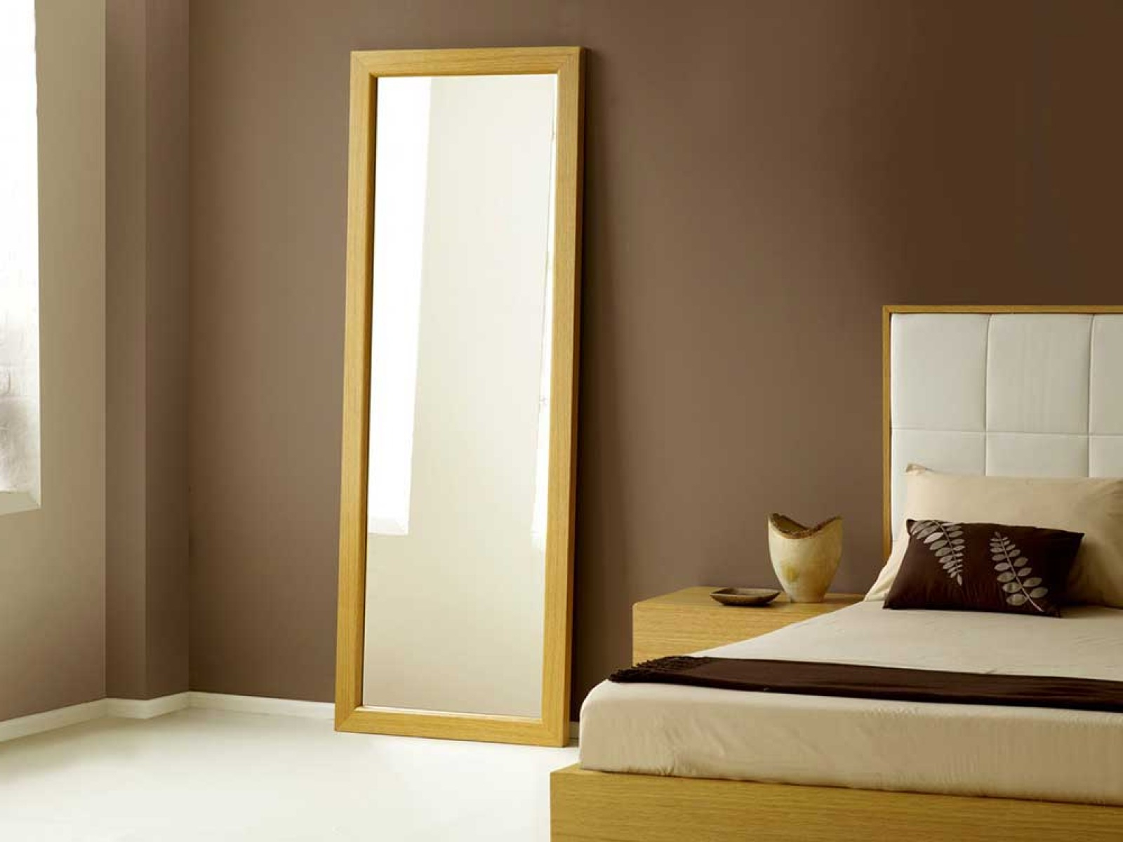 Popular Cheap Long Wall Mirrors Within Homeware: Full Length Mirror On A Stand (View 17 of 20)