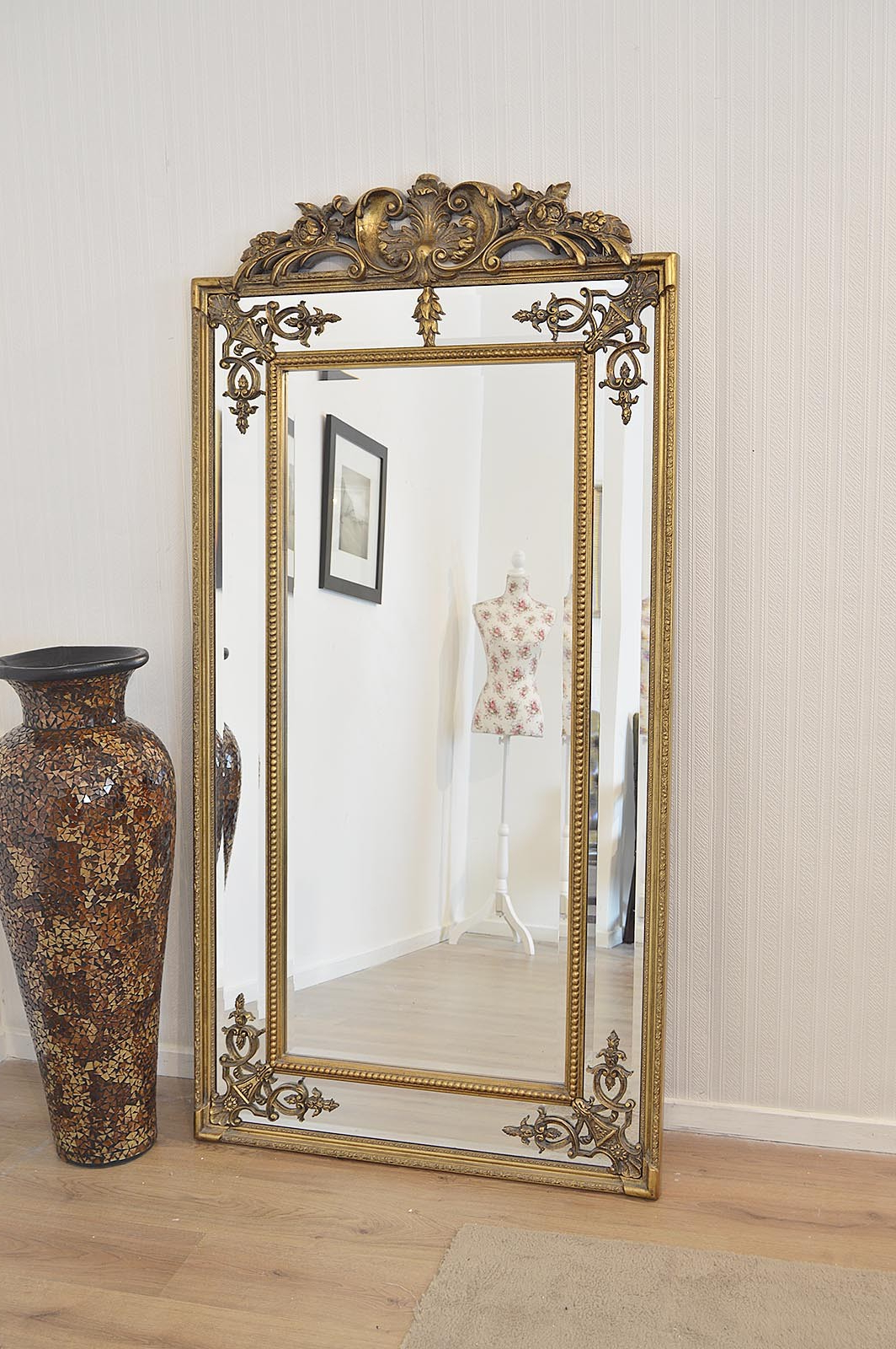 Popular Large Gold Wall Mirrors Inside Large Standing Mirrors, Ornate Gold Picture Frames Large (View 16 of 20)