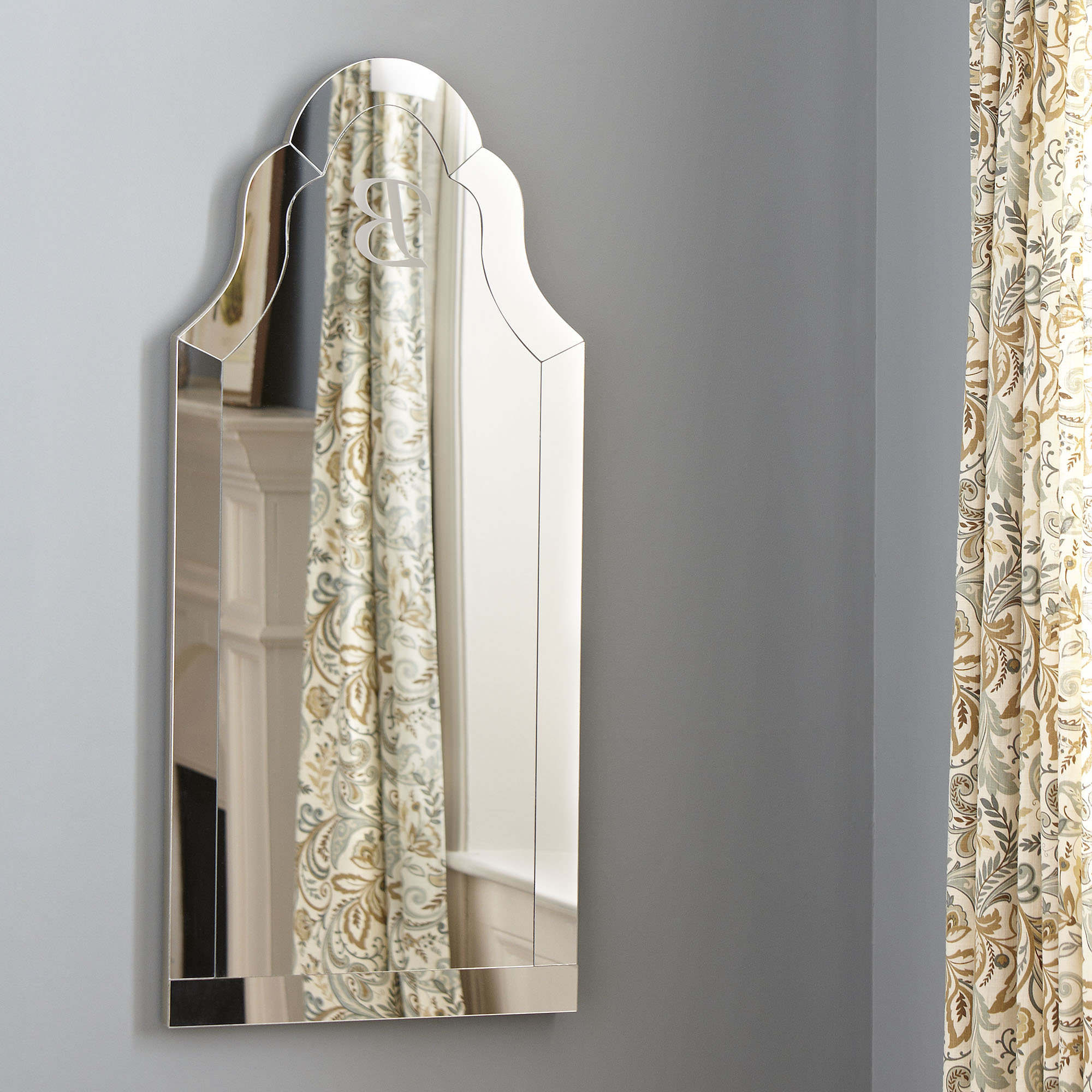 Preferred Margaux Arch Wall Mirror Regarding Dariel Tall Arched Scalloped Wall Mirrors (View 16 of 20)