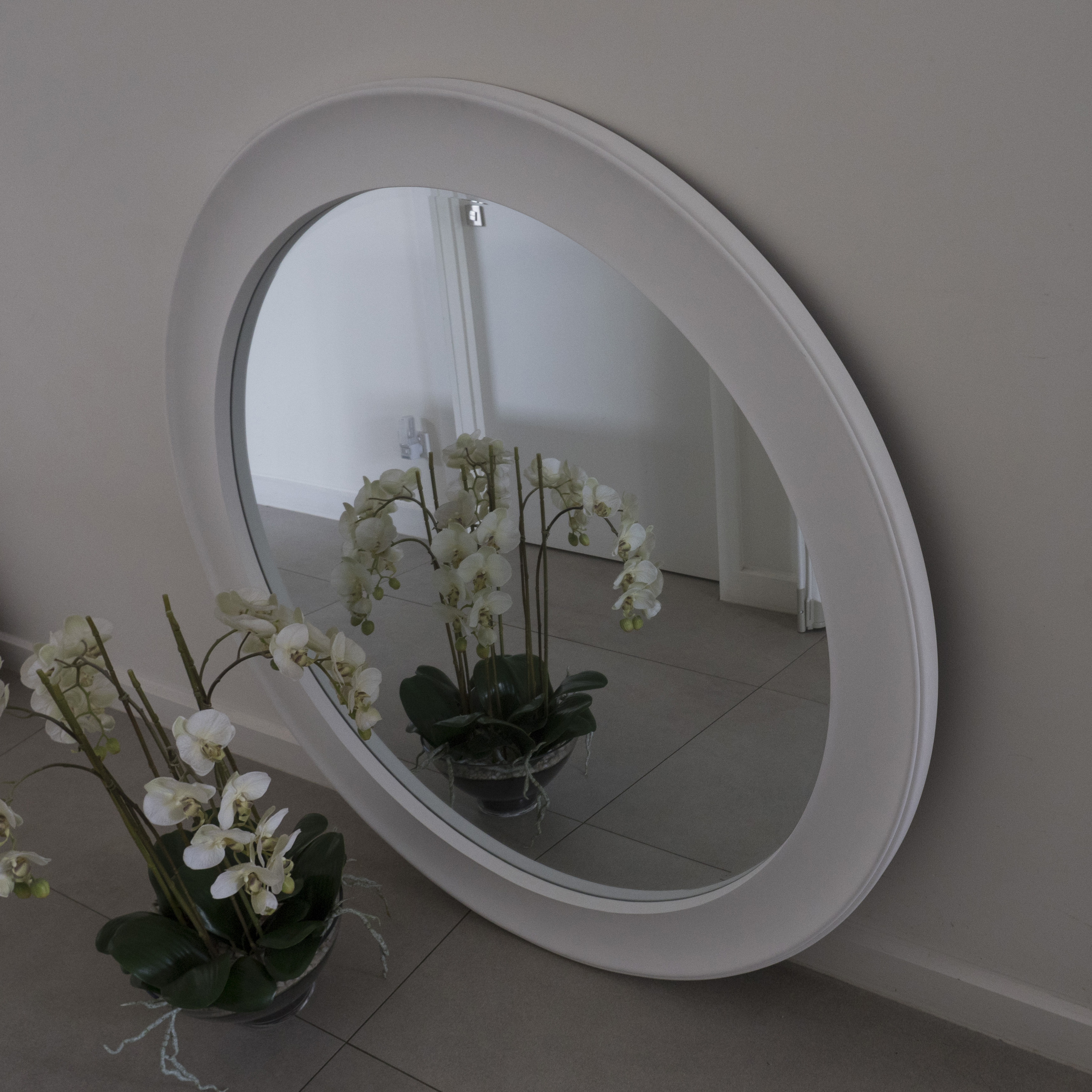 Round White Wall Mirrors Inside Fashionable Large Round White Mirror 1.2 Metres. It's Huge! On Sale $ (View 10 of 20)