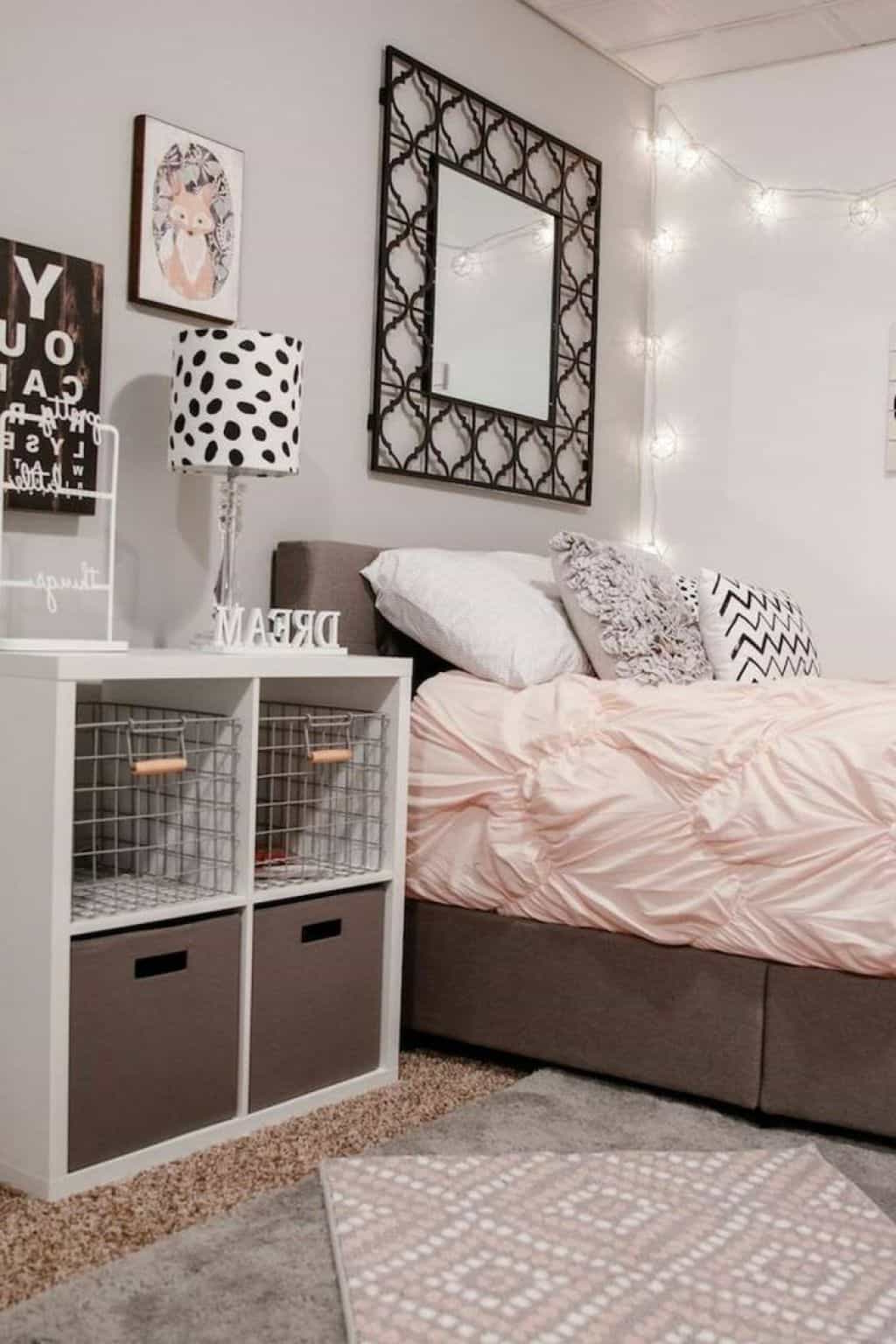Small Bedroom With Wall Mirror And Baskets – Ideas To Organize Your With Best And Newest Wall Mirrors For Bedroom (View 6 of 20)