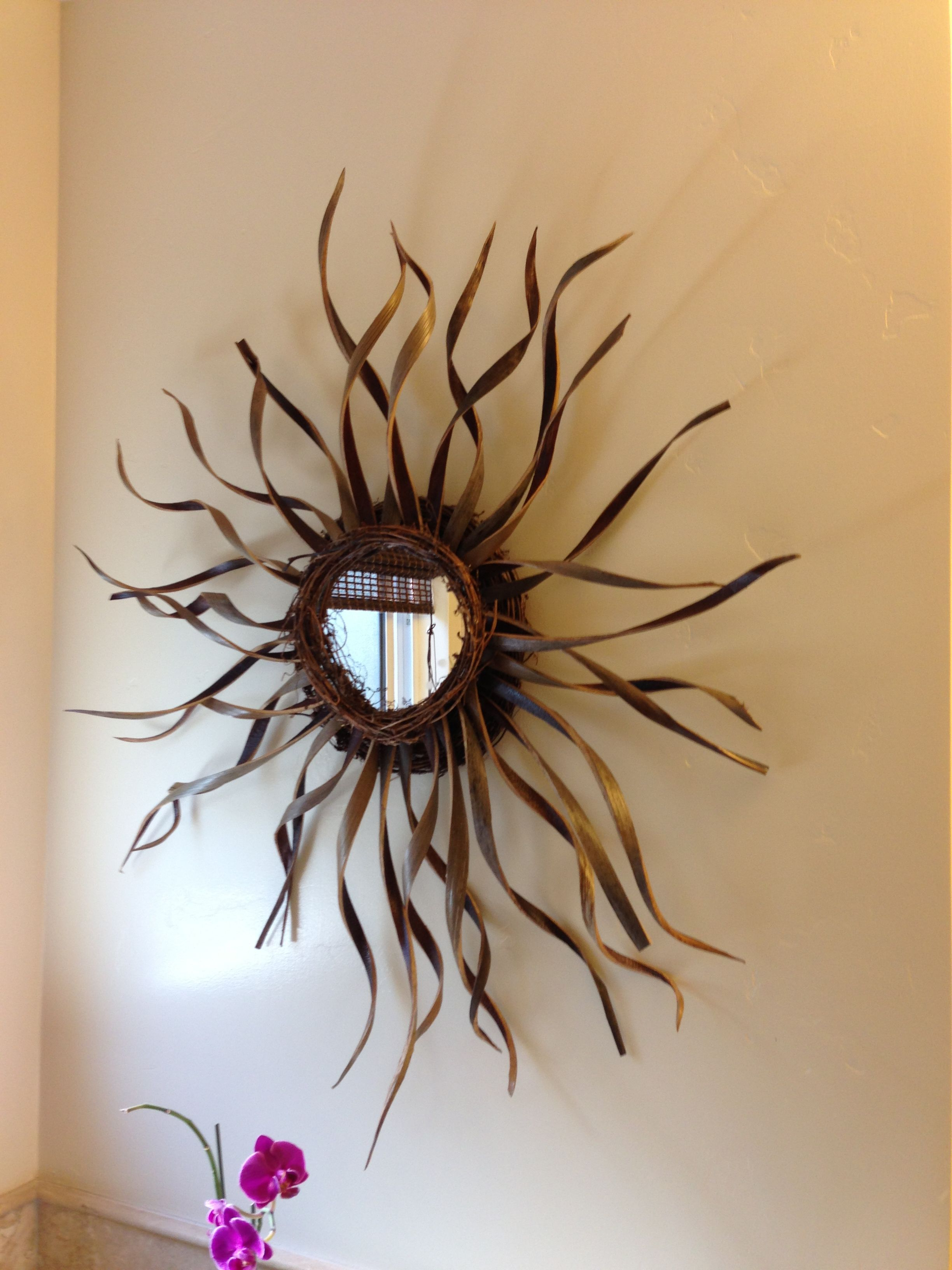 Sun Wall Mirrors For Current Sunburst Mirror Wall Decor (View 14 of 20)