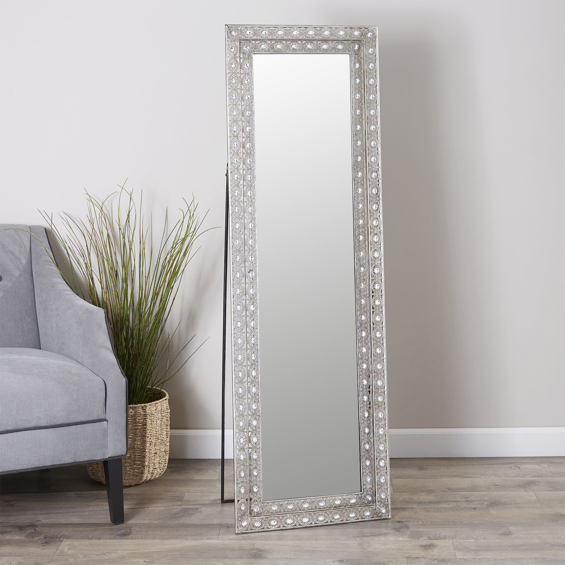 Sveta Traditional Full Length Mirror With Trendy Dalessio Wide Tall Full Length Mirrors (View 17 of 20)