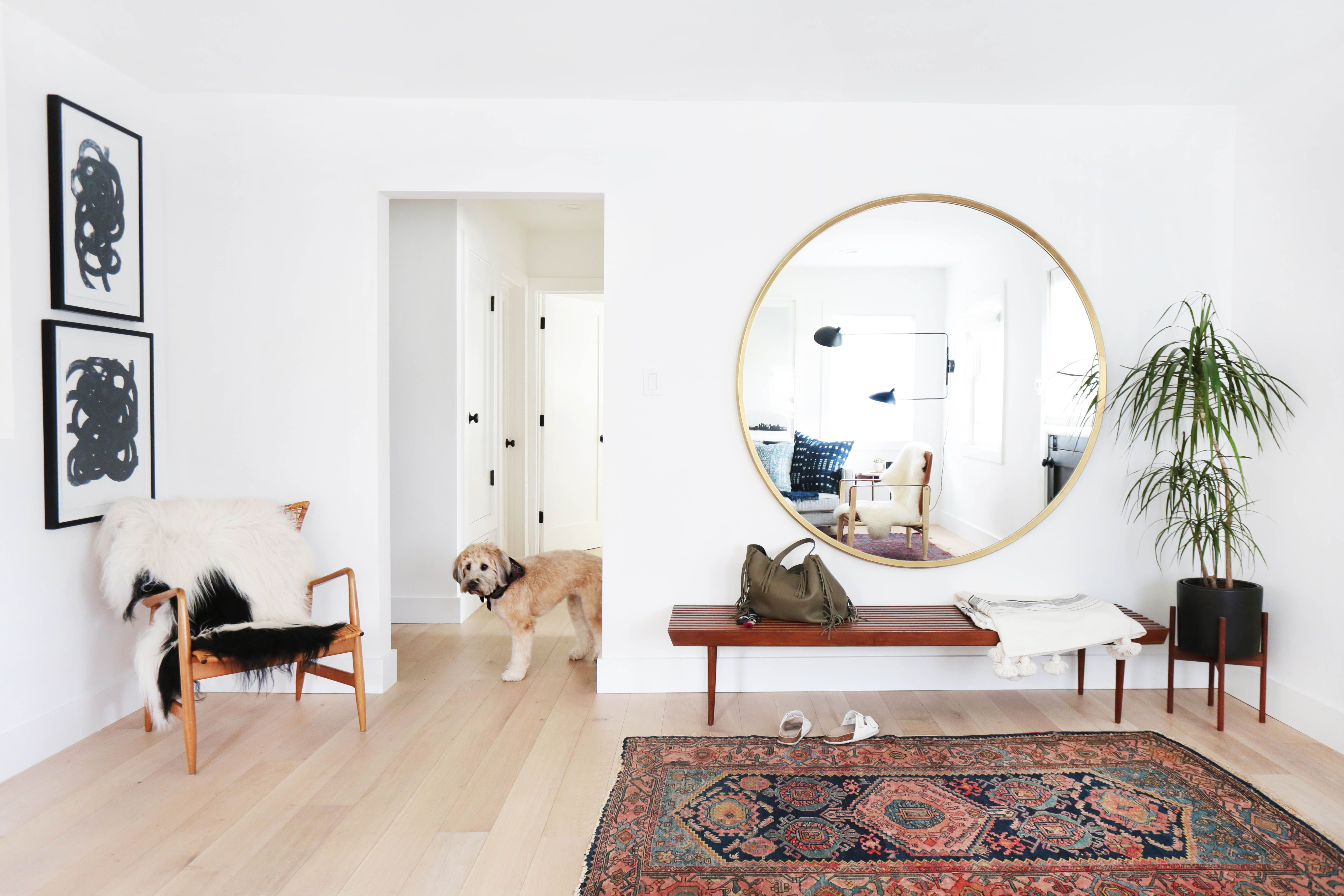Three Way Wall Mirrors Intended For Widely Used 22 Fabulous And Functional Entryway Ideas (View 12 of 20)
