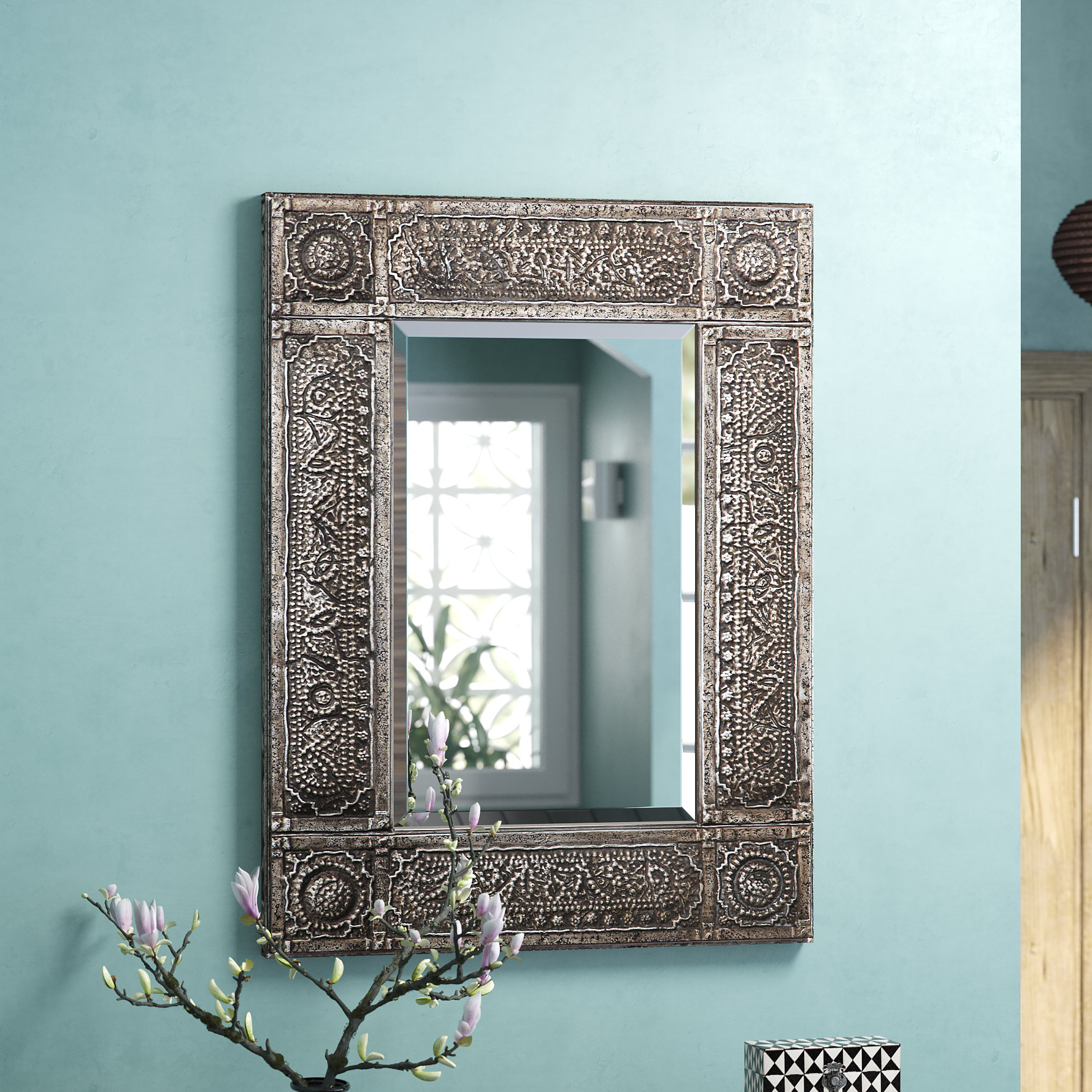Trendy Traditional Beveled Distressed Accent Mirror Pertaining To Ulus Accent Mirrors (View 12 of 20)