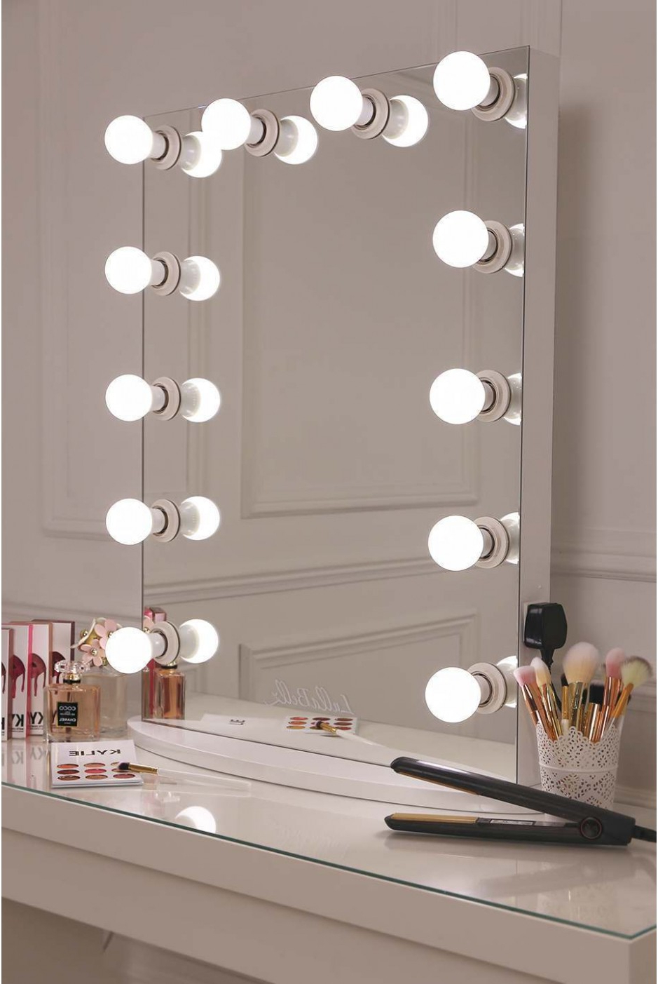 Featured Photo of Vanity Mirrors