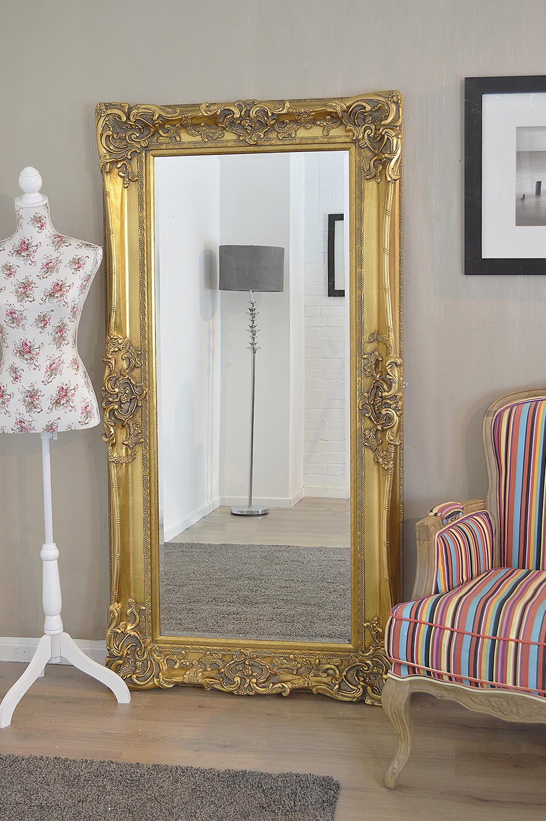 Vintage Wall Hanging Mirrors Antique Mirror Hooks Classic Large Flat Within Most Popular Classic Wall Mirrors (View 8 of 20)