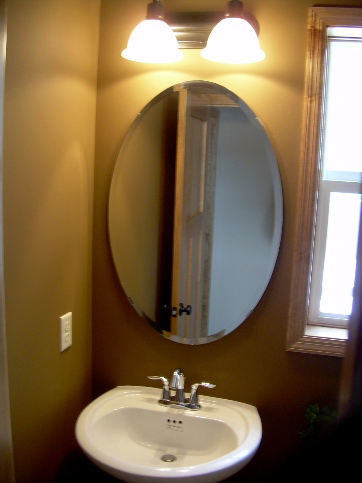 Wallingford Large Frameless Wall Mirrors Intended For Newest Hang Mirrors Wall Rectangular Home Doors Mirror De Wallingford (View 10 of 20)