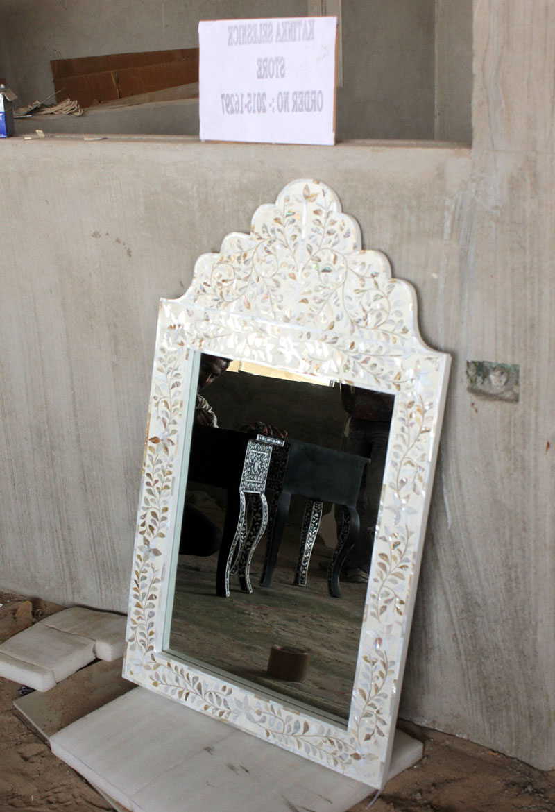 Well Known White Mother Of Pearl Inlay Wall Mirror Frame Throughout Mother Of Pearl Wall Mirrors (View 12 of 20)