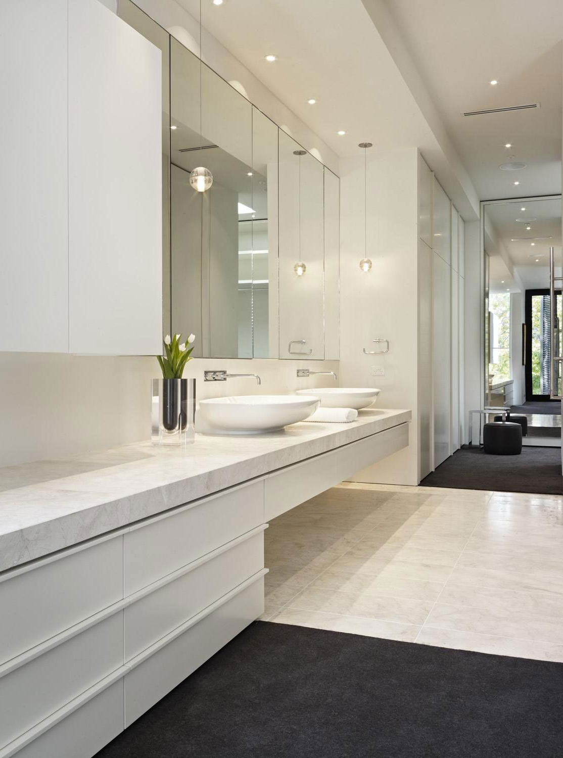 White In Fashionable Large Bathroom Wall Mirrors (View 4 of 20)