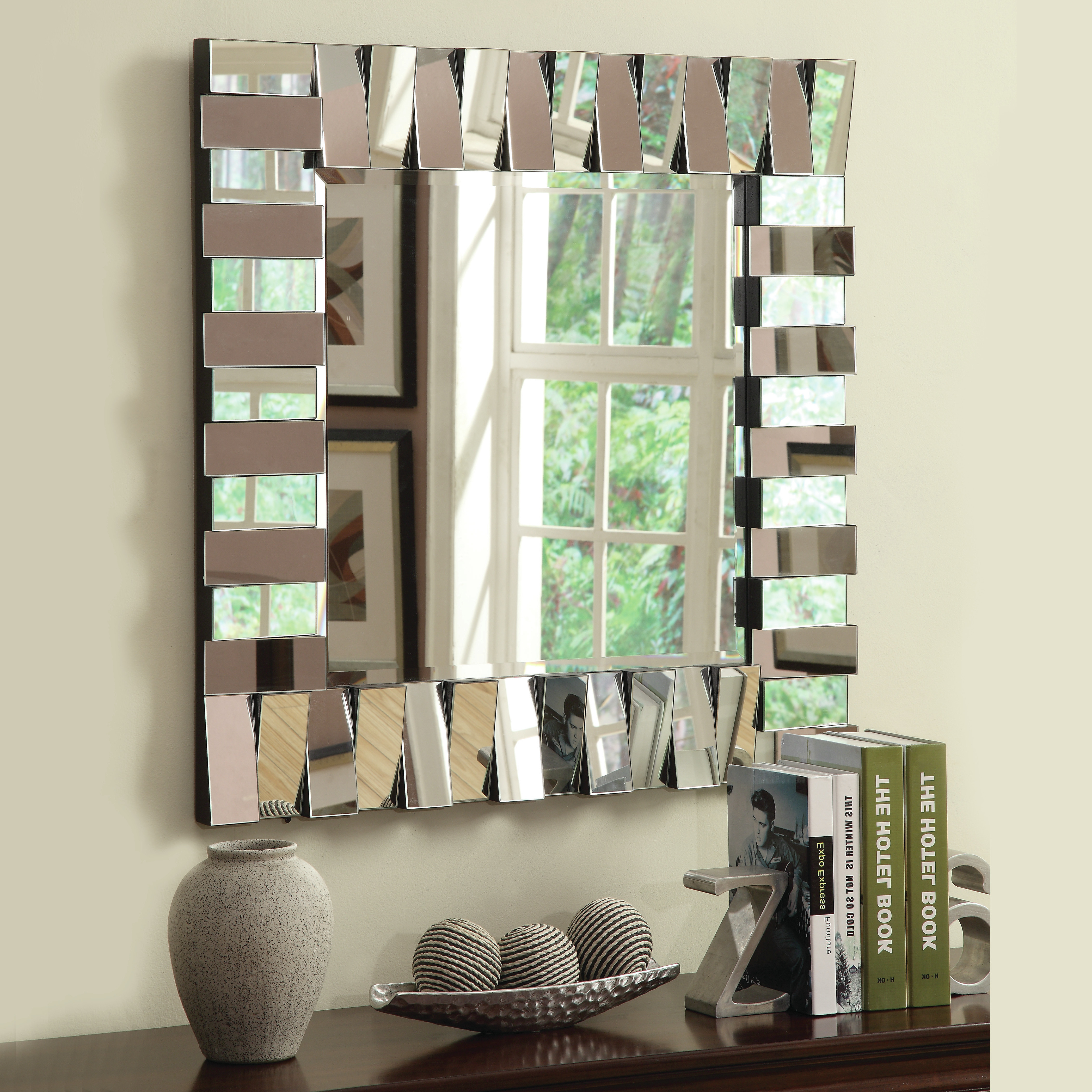 Widely Used Really Amazing Mirrored Wall Interiors Ideas That Everyone Regarding Unique Wall Mirrors (View 12 of 20)