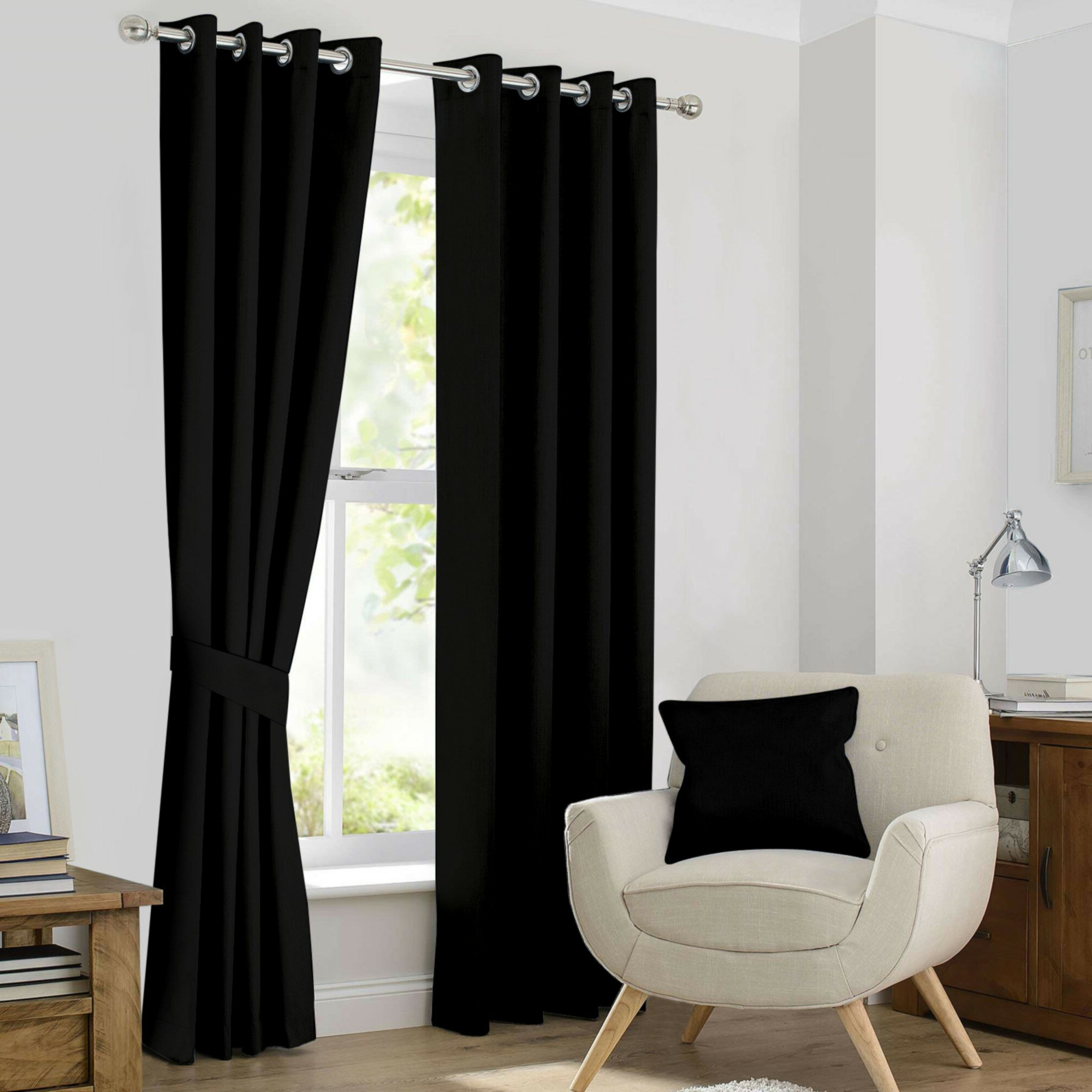 Classic Hotel Quality Water Resistant Fabric Curtains Set With Tiebacks With Regard To Most Recently Released Kaylee Solid Blackout Thermal Grommet Curtain Panels (View 7 of 20)