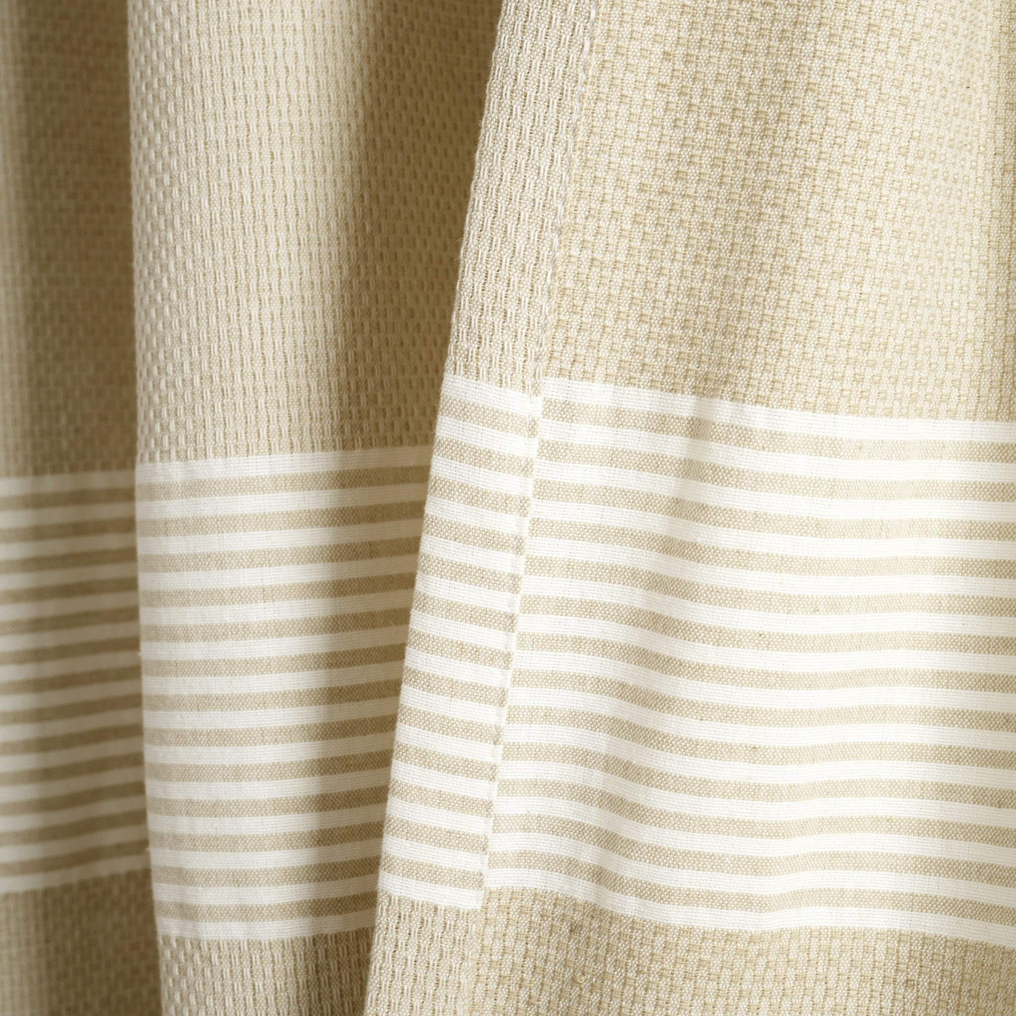 Ombre Stripe Yarn Dyed Cotton Window Curtain Panel Pairs For Fashionable Lush Decor Tucker Stripe Yarn Dyed Cotton Knotted Tassel Window Curtain  Panel Pair (View 13 of 20)