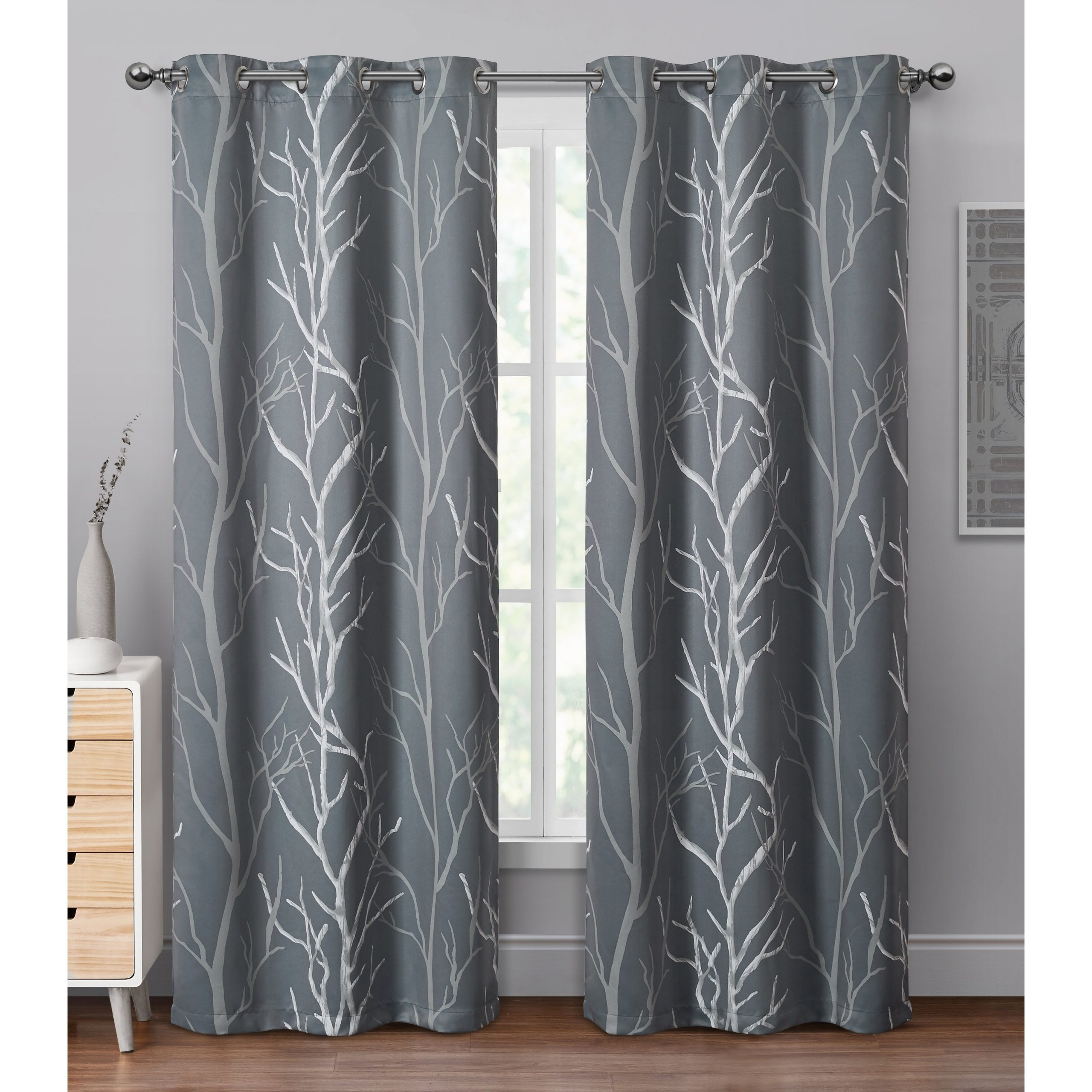 Vcny Home Keyes Blackout Single Curtain Panel Within Trendy Keyes Blackout Single Curtain Panels (View 2 of 20)
