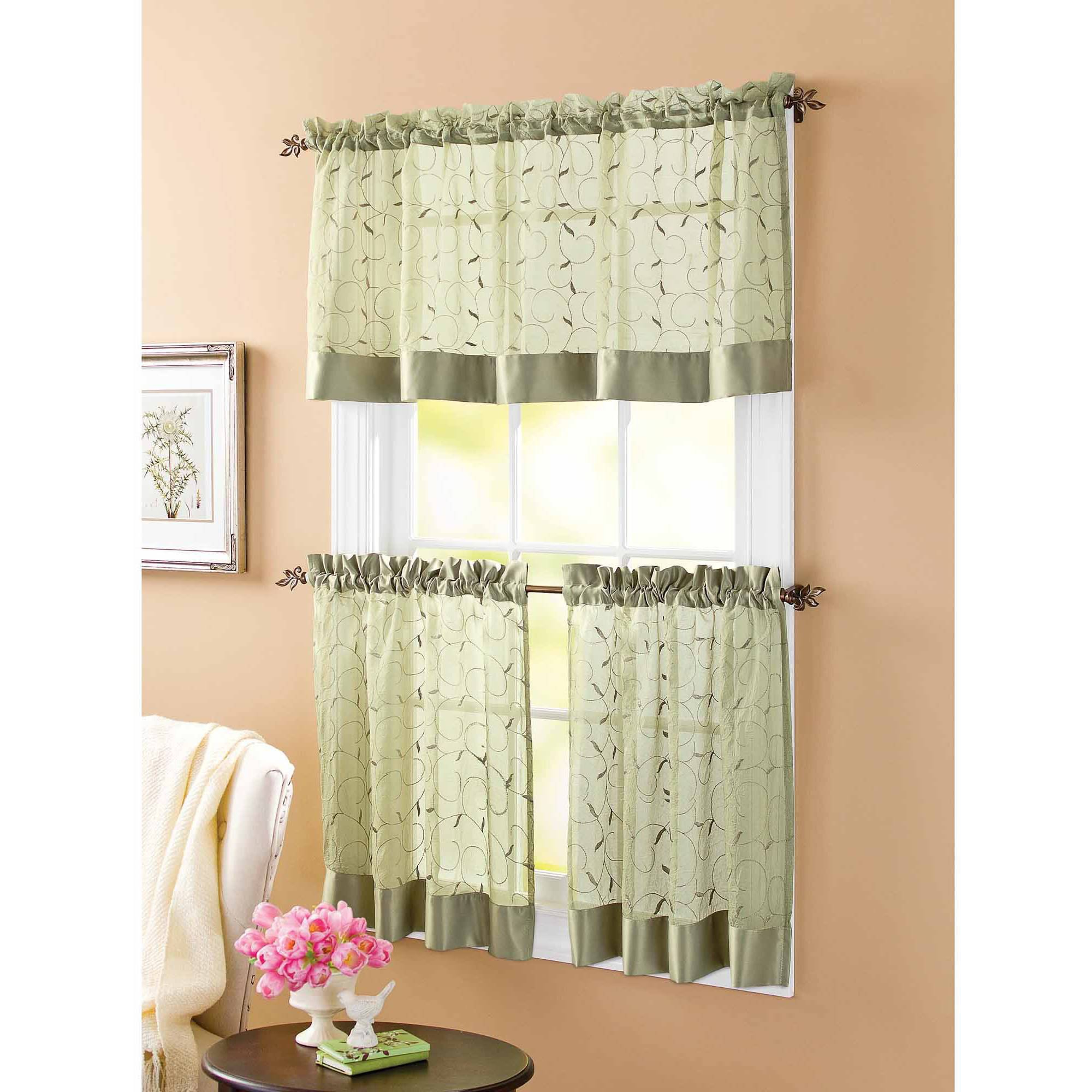 Best And Newest Hervorragend Red And White Swag Kitchen Curtains Window Intended For Delicious Apples Kitchen Curtain Tier And Valance Sets (View 2 of 20)