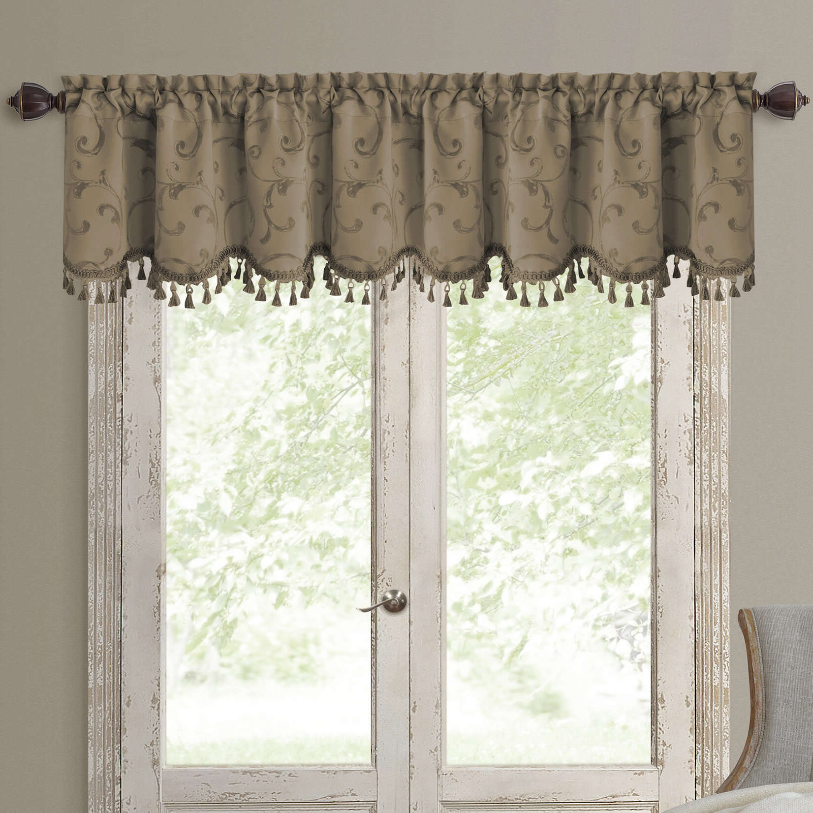 Charming Valance Curtains Interior Enchanting Black And Within Widely Used Luxurious Kitchen Curtains Tiers, Shade Or Valances (View 11 of 20)