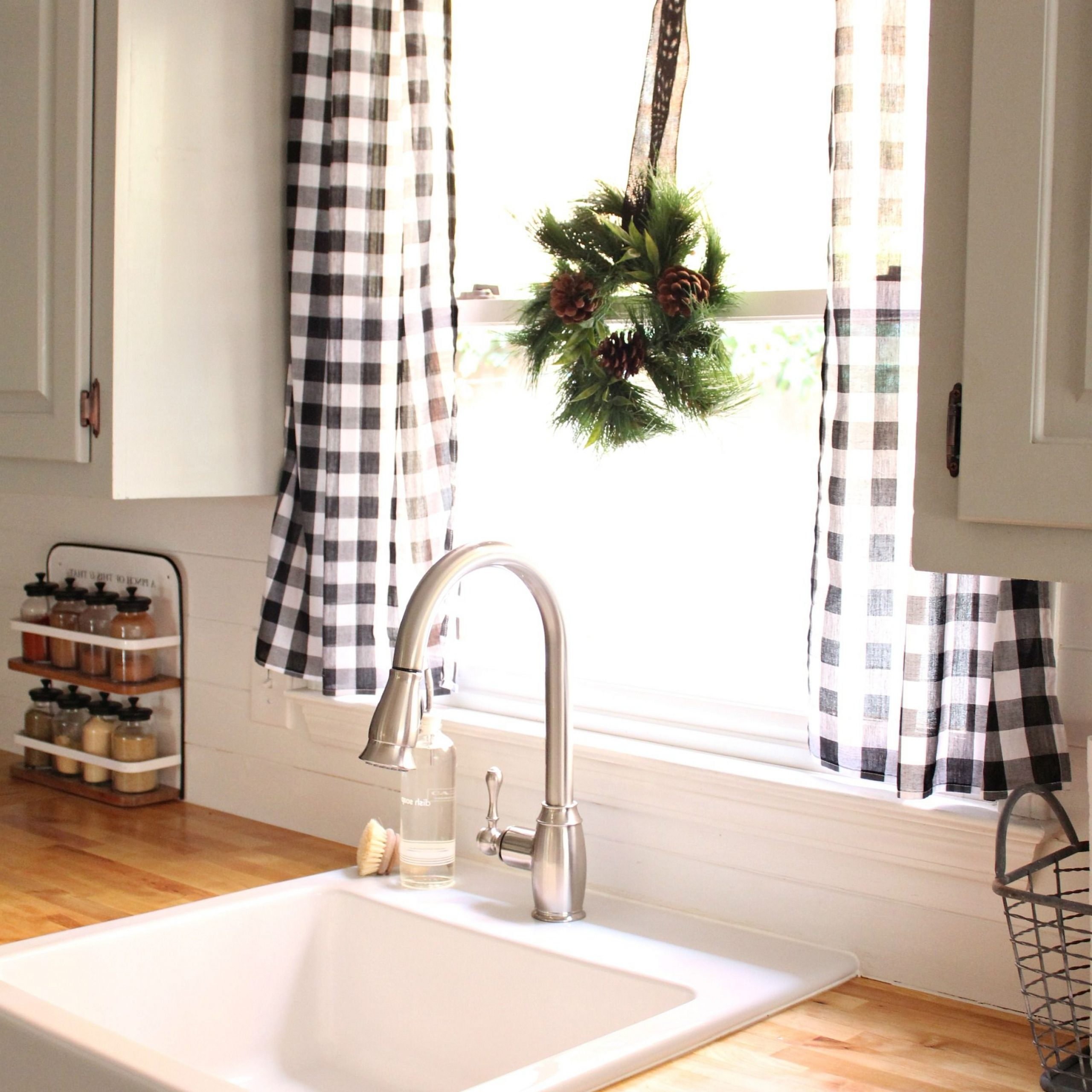 Kitchen With Well Known Farmhouse Kitchen Curtains (View 13 of 20)