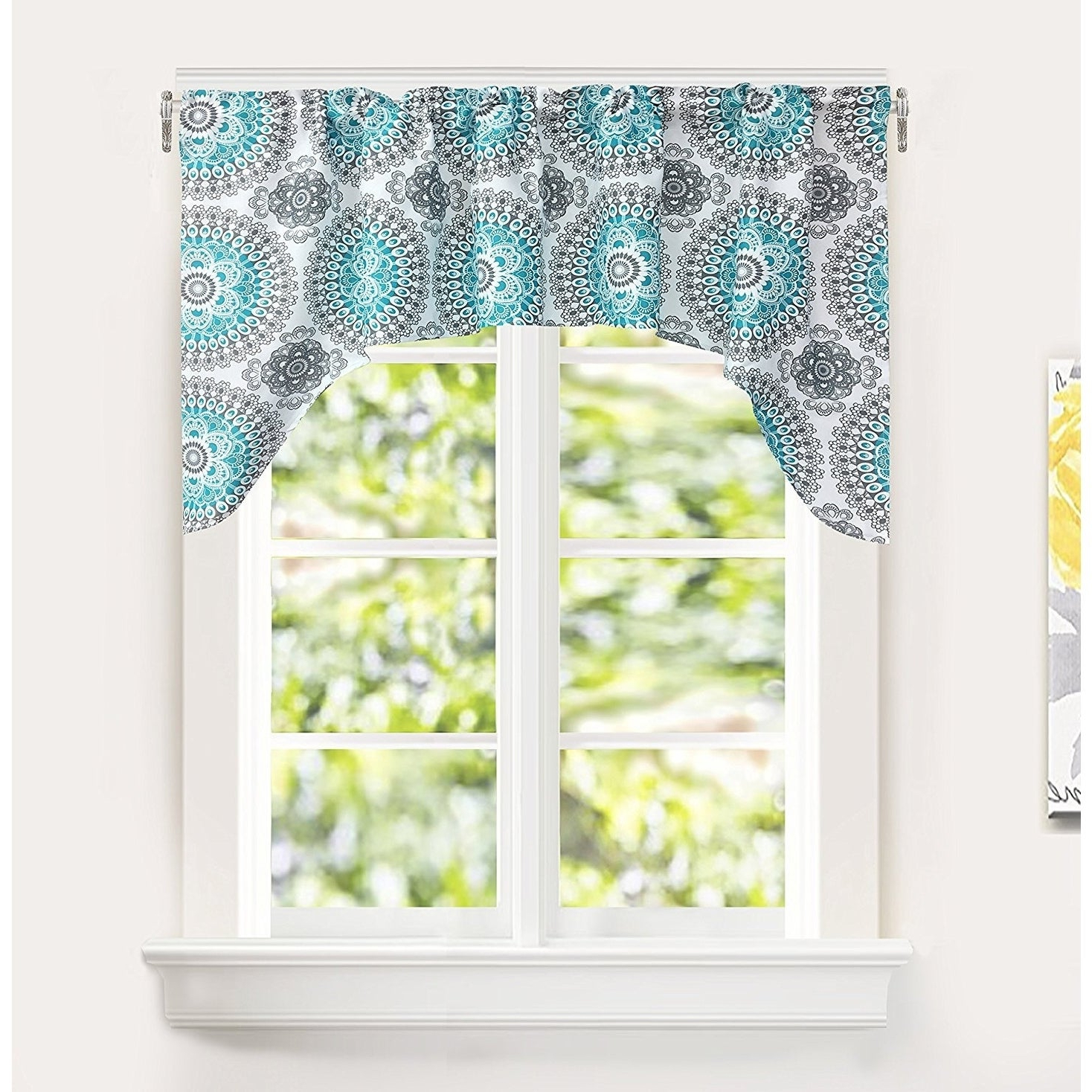 Most Current Medallion Window Curtain Valances Inside Driftaway Bella Medallion Pattern Kitchen Swag Valance (Gallery 10 of 20)