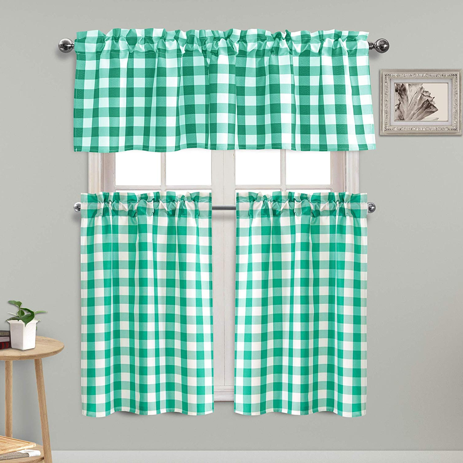 Popular Light Filtering Kitchen Tiers Throughout Homedocr 3 Piece Semi Sheer Kitchen Curtains Thermal Insulated And Light Filtering Checkered Tier And Valance Window Curtains Set, Green (View 9 of 20)
