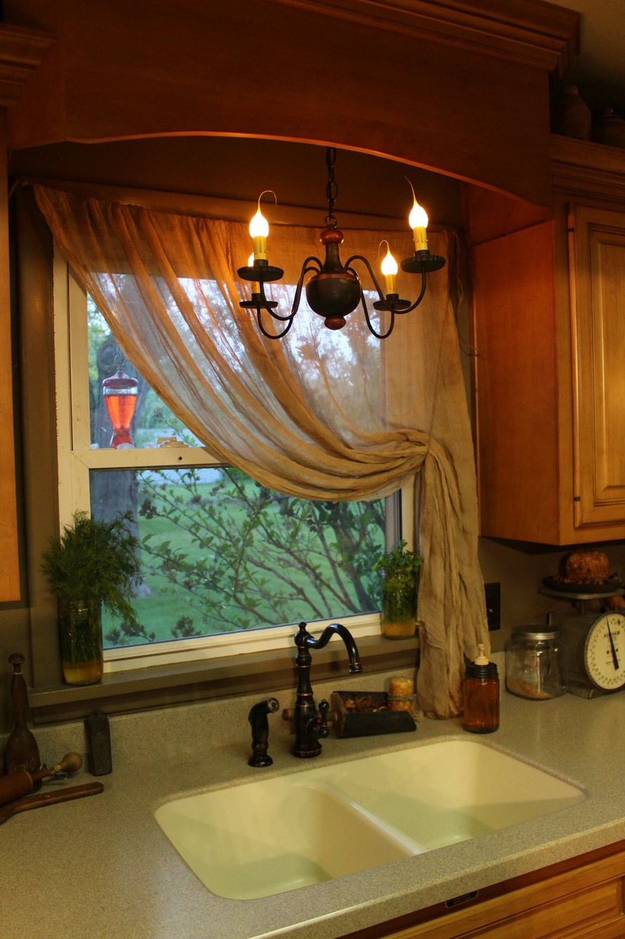 Shabby Chic Kitchen For Primitive Kitchen Curtains (View 3 of 20)