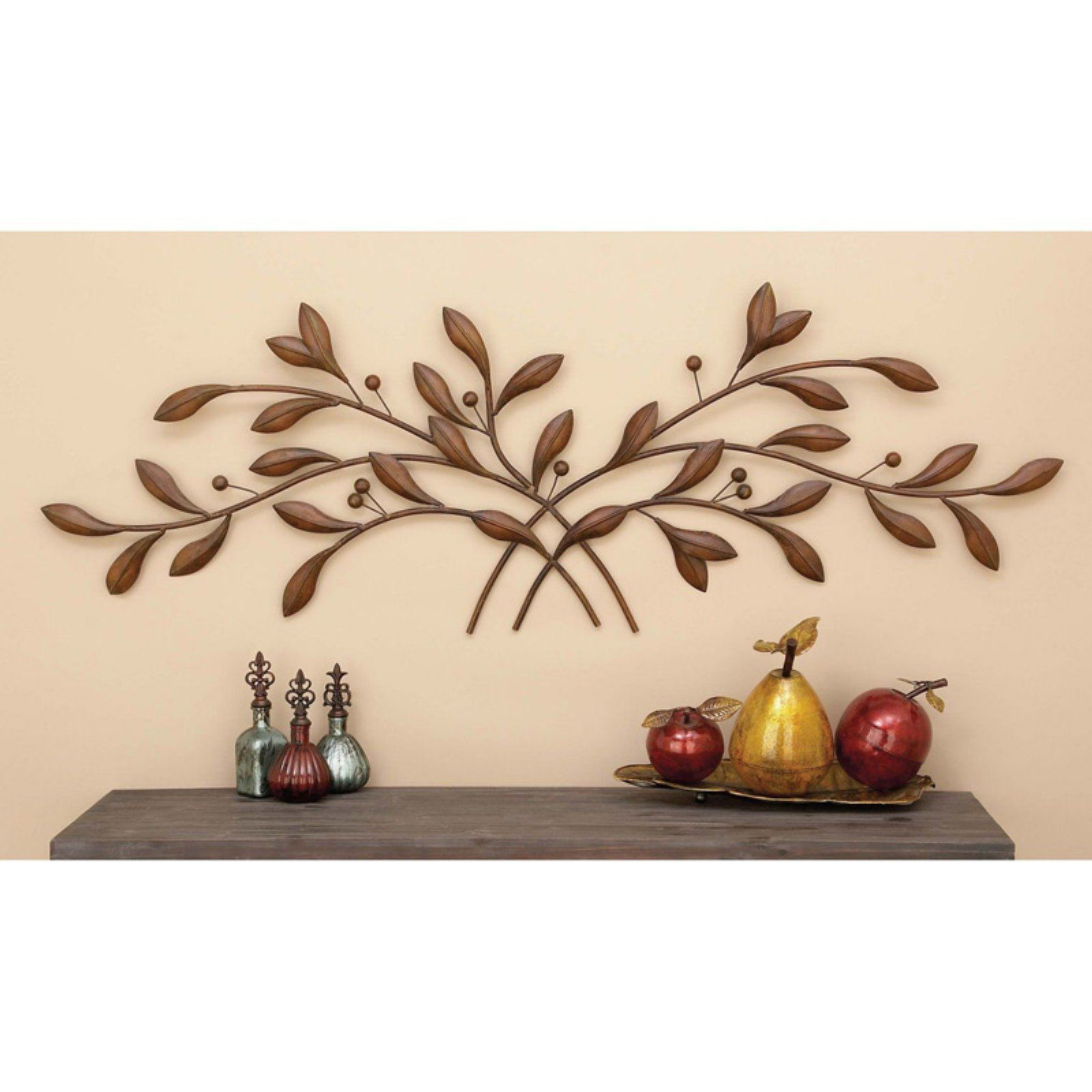 2019 Metal Leaf With Berries Wall Décor Regarding Decmode Metal Leaves And Berries Wall Sculpture In (View 5 of 20)