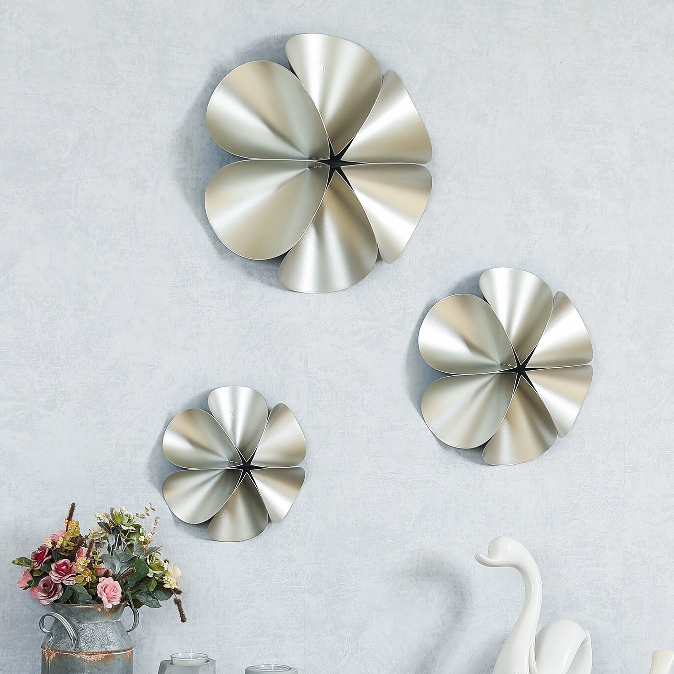Best And Newest 3 Piece Metal Flower Wall Décor Set With Regard To 3 Piece Flower Wall Décor Set (View 20 of 20)