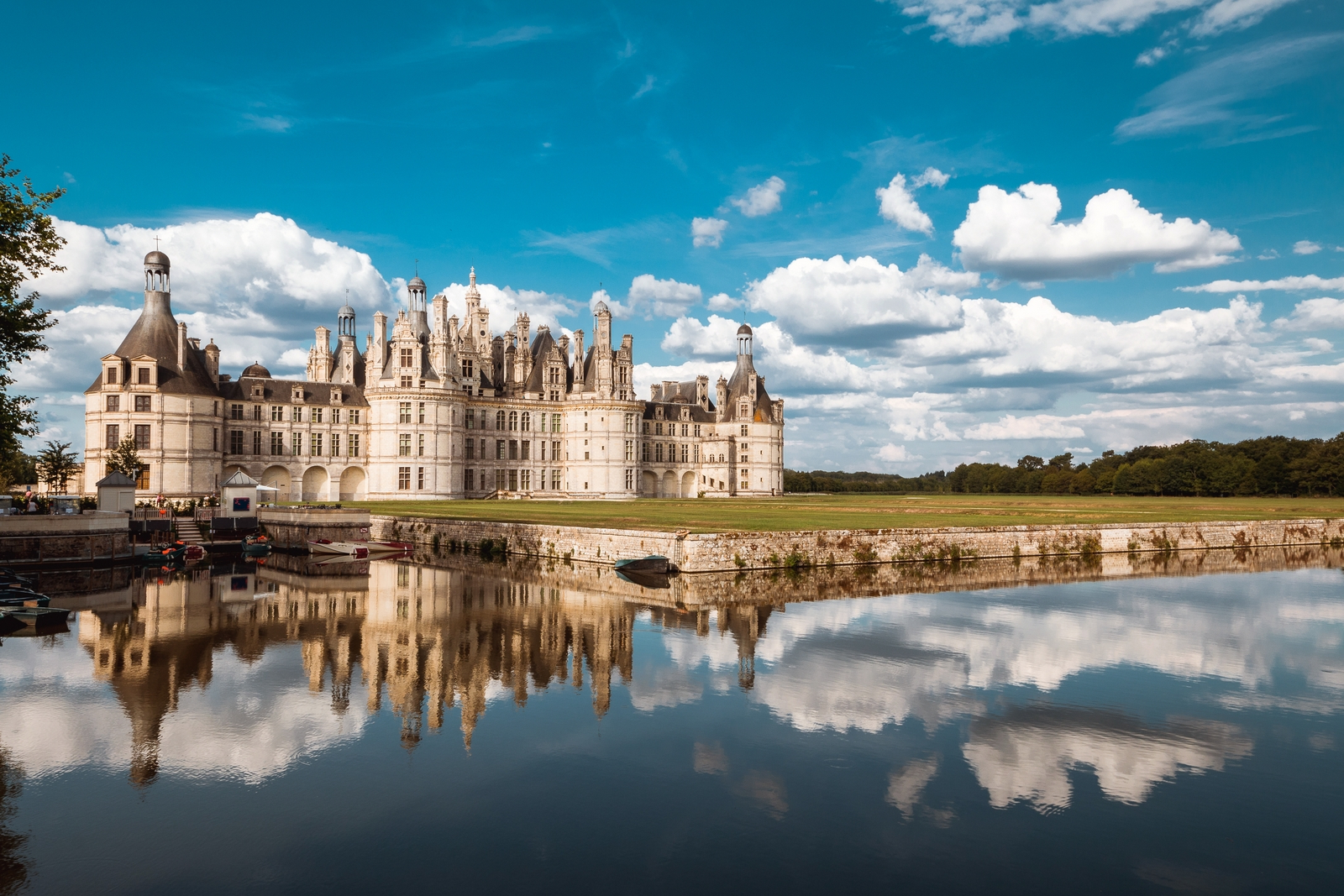 Chambord Castle I European Wall Hangings Throughout Most Recently Released Chambord: Discover The Fabulous Château In The Loire (View 11 of 20)