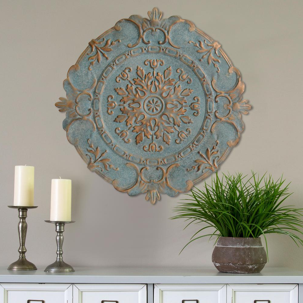 European Medallion Wall Décor Within Most Current Stratton Home Decor Blue Metal European Medallion Wall Decor S09598 – The Home Depot (View 2 of 20)